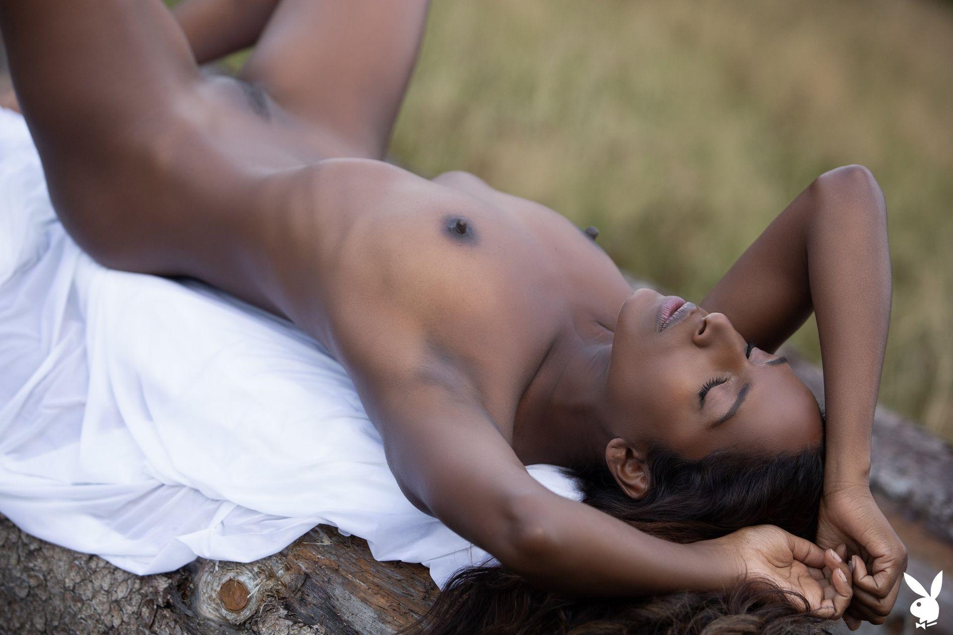 Nirmala Fernandes Nude 029