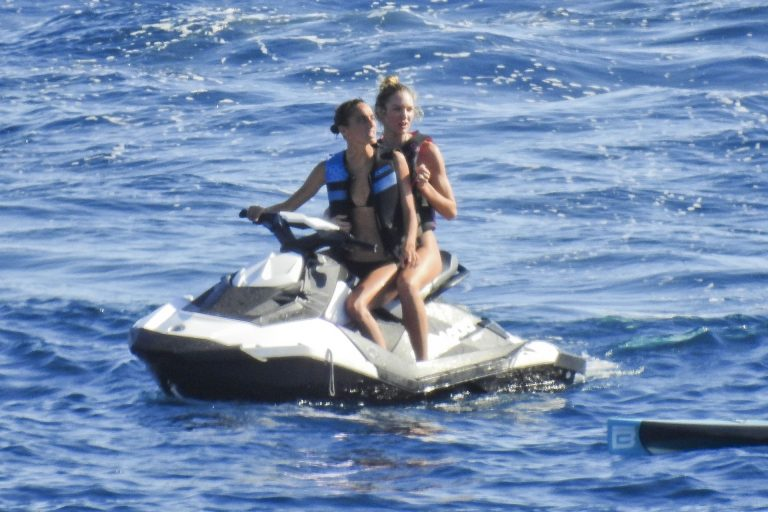 Doutzen Kroes Candice Swanepoel Joan Smalls Sexy Thefappeningblog.com 6 768x512