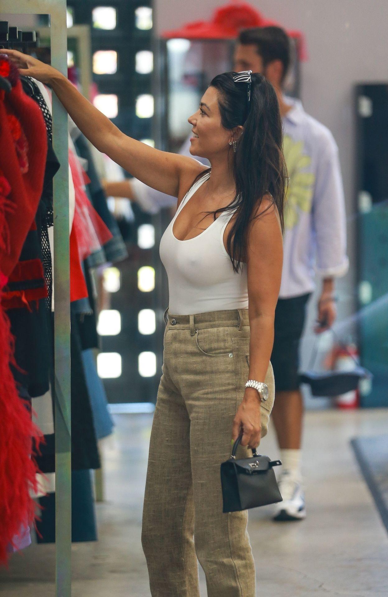 Kourtney Kardashian Braless 118