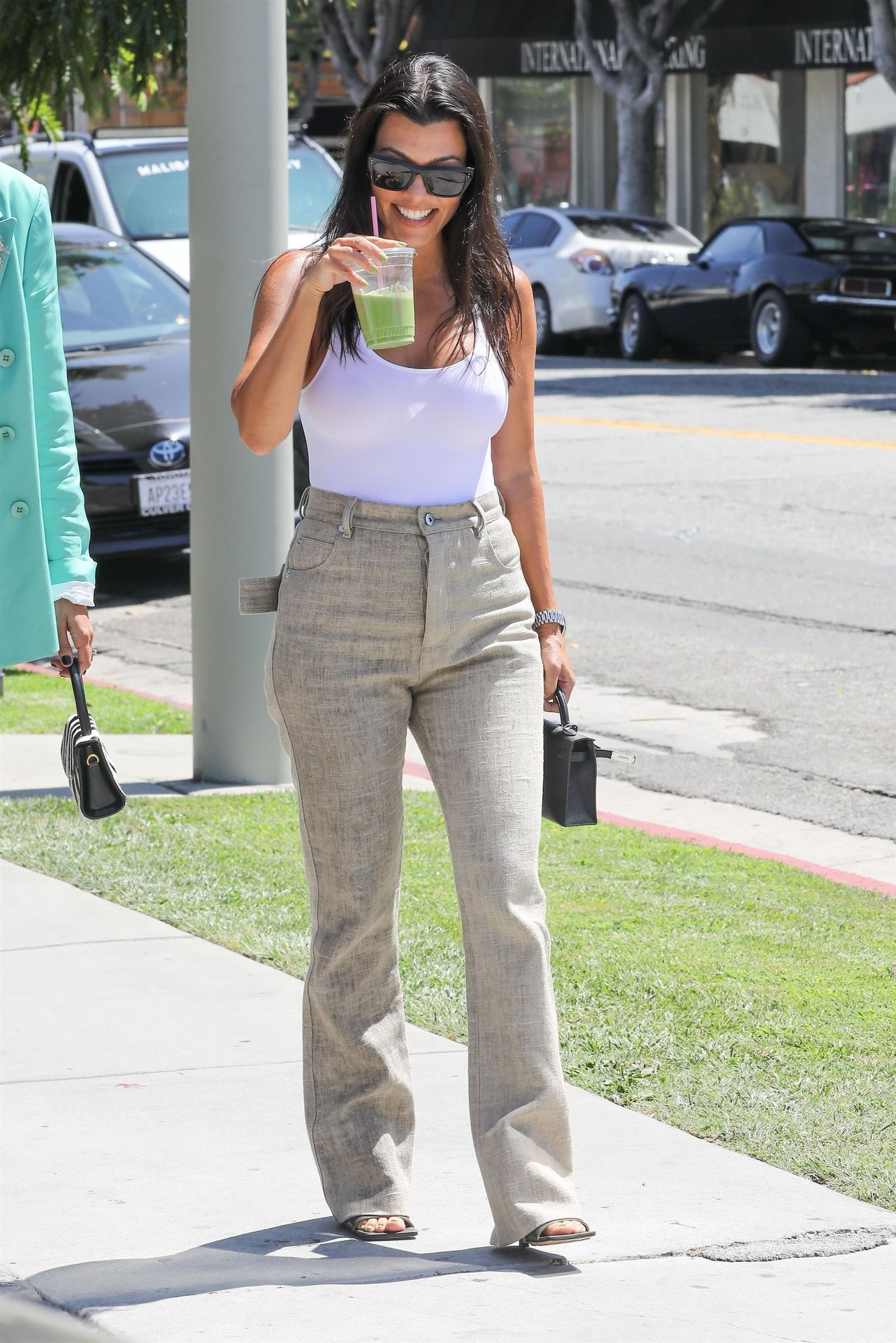 Kourtney Kardashian Braless 047