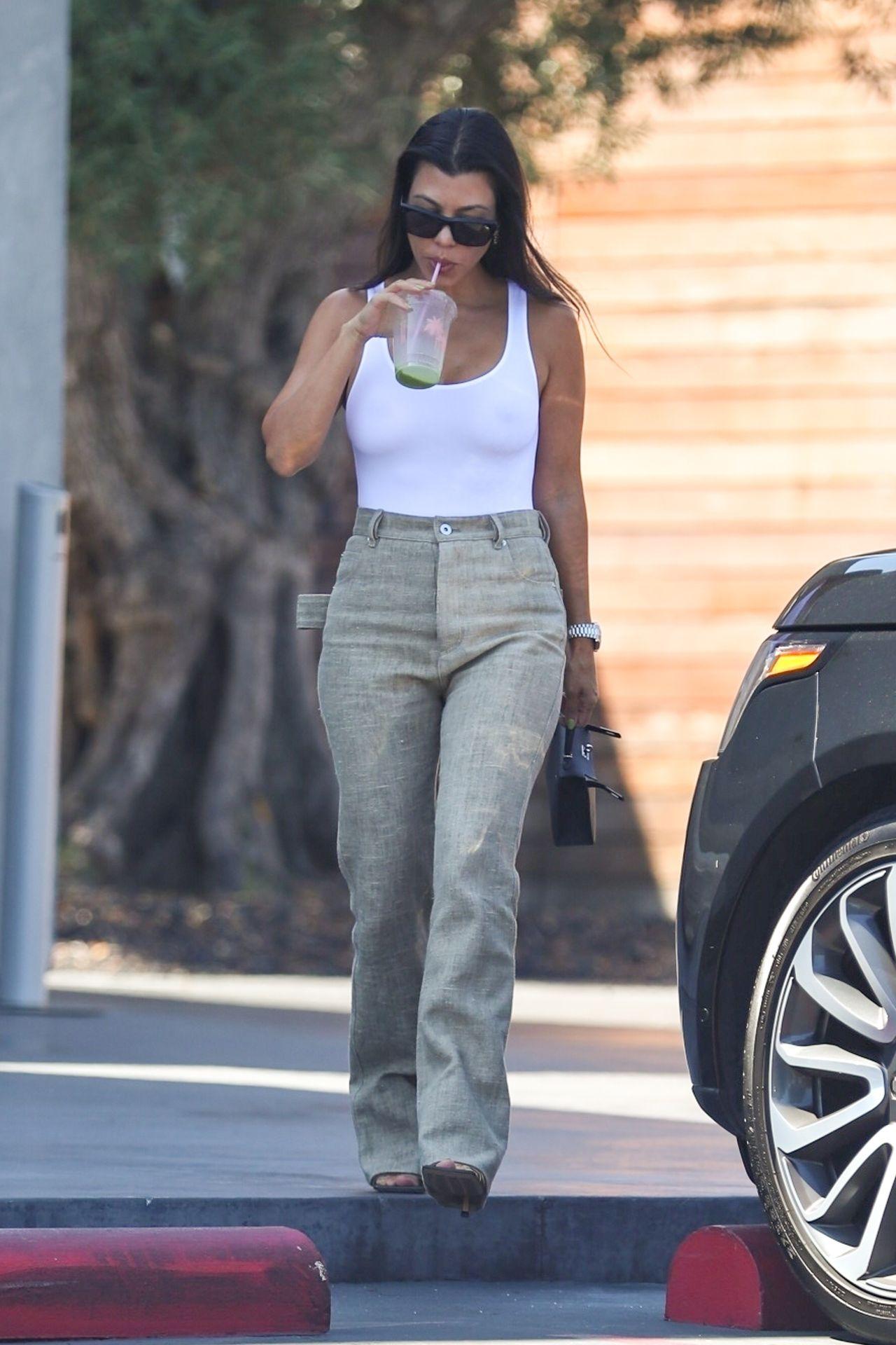 Kourtney Kardashian Braless 072