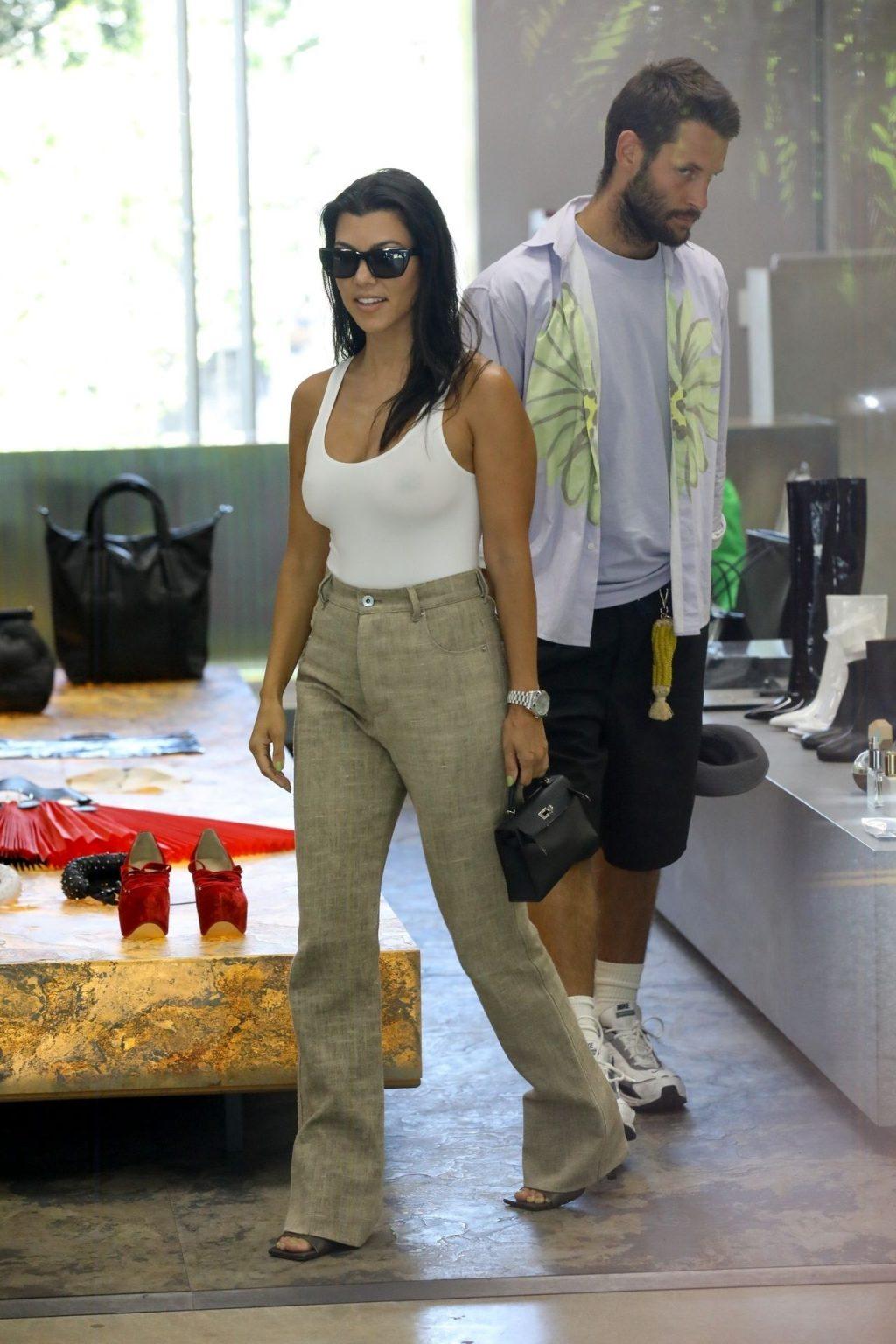 Kourtney Kardashian See Through Thefappeningblog Com 142 102
