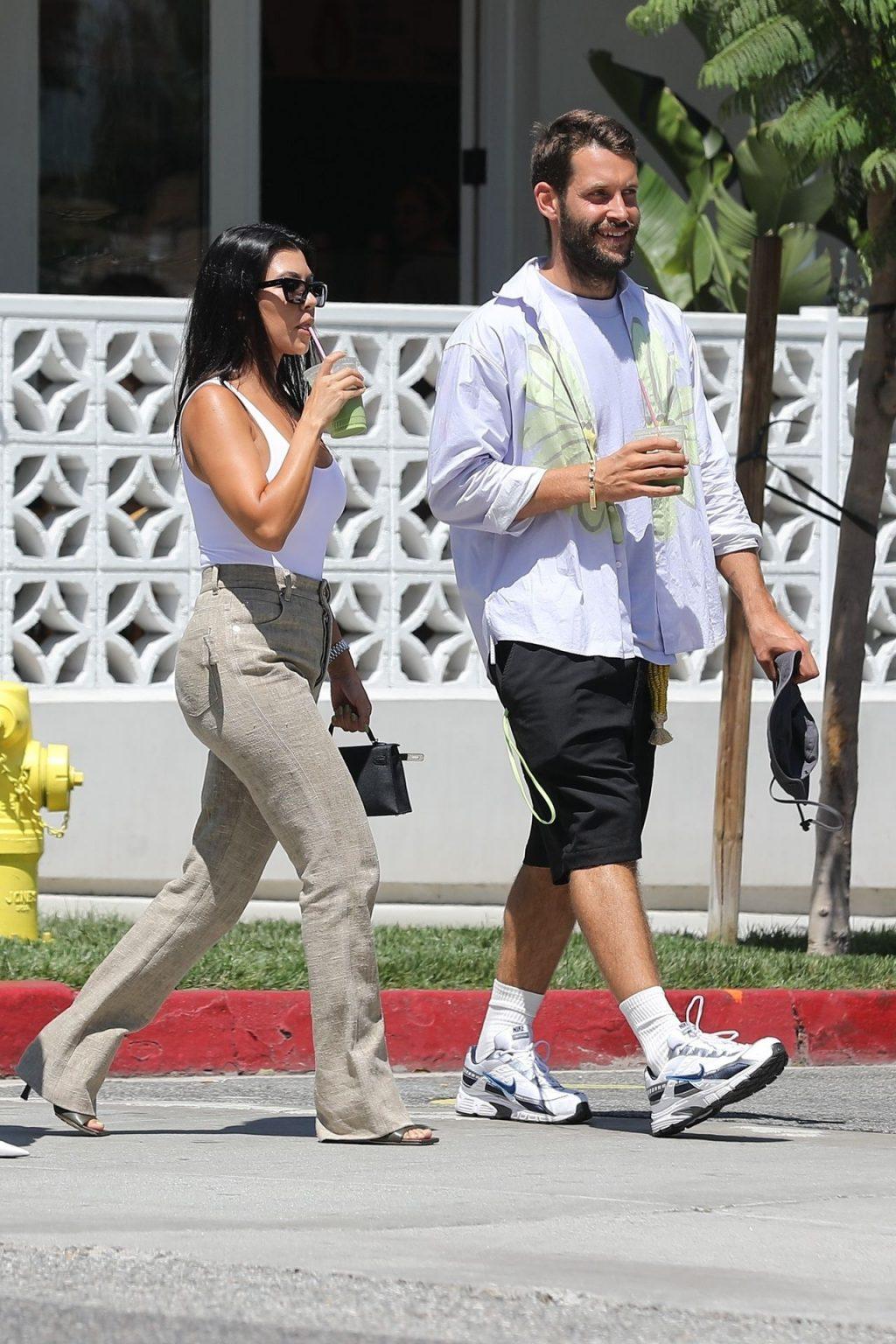 Kourtney Kardashian See Through Thefappeningblog Com 100 102