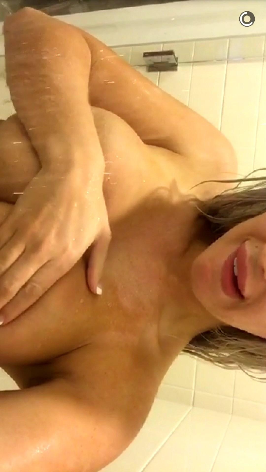Laci Kay Somers Nude 004
