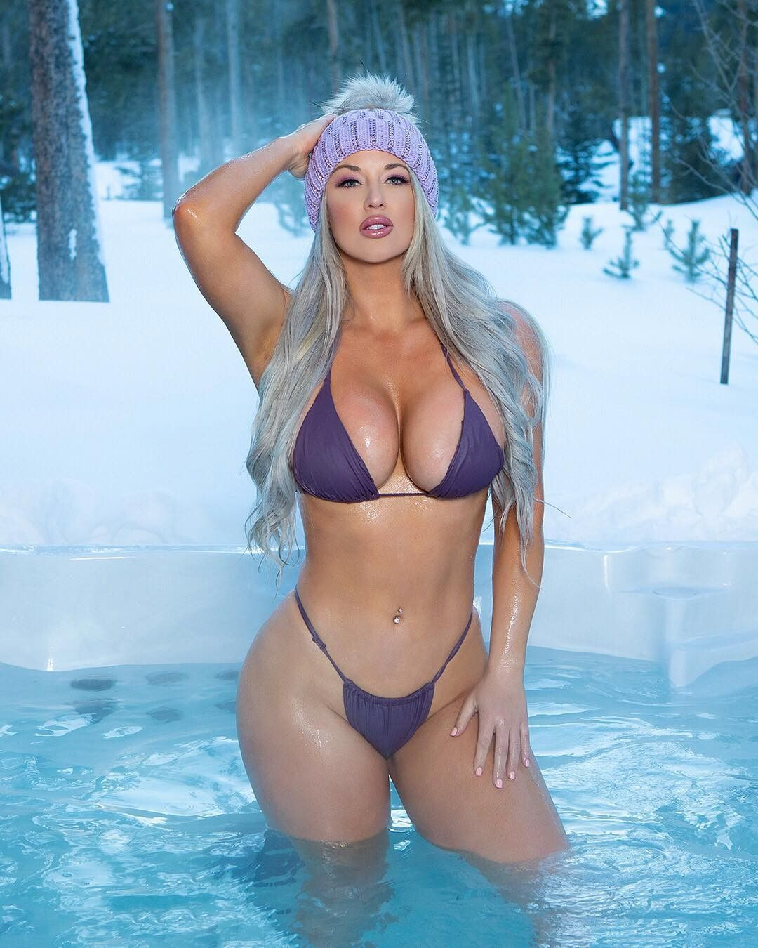 Laci Kay Somers Nude & Sexy 025