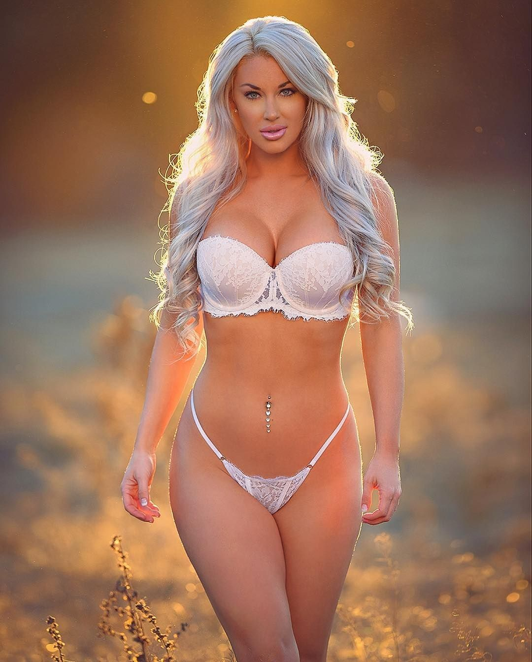Laci Kay Somers Nude & Sexy 045