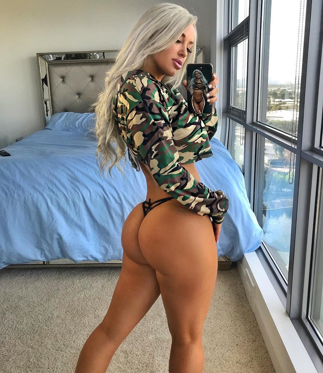 Laci Kay Somers Nude & Sexy 006