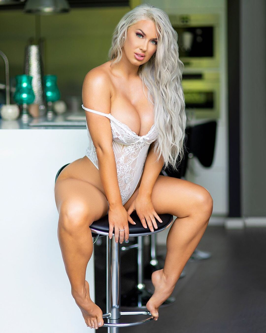 Laci Kay Somers Nude & Sexy 052