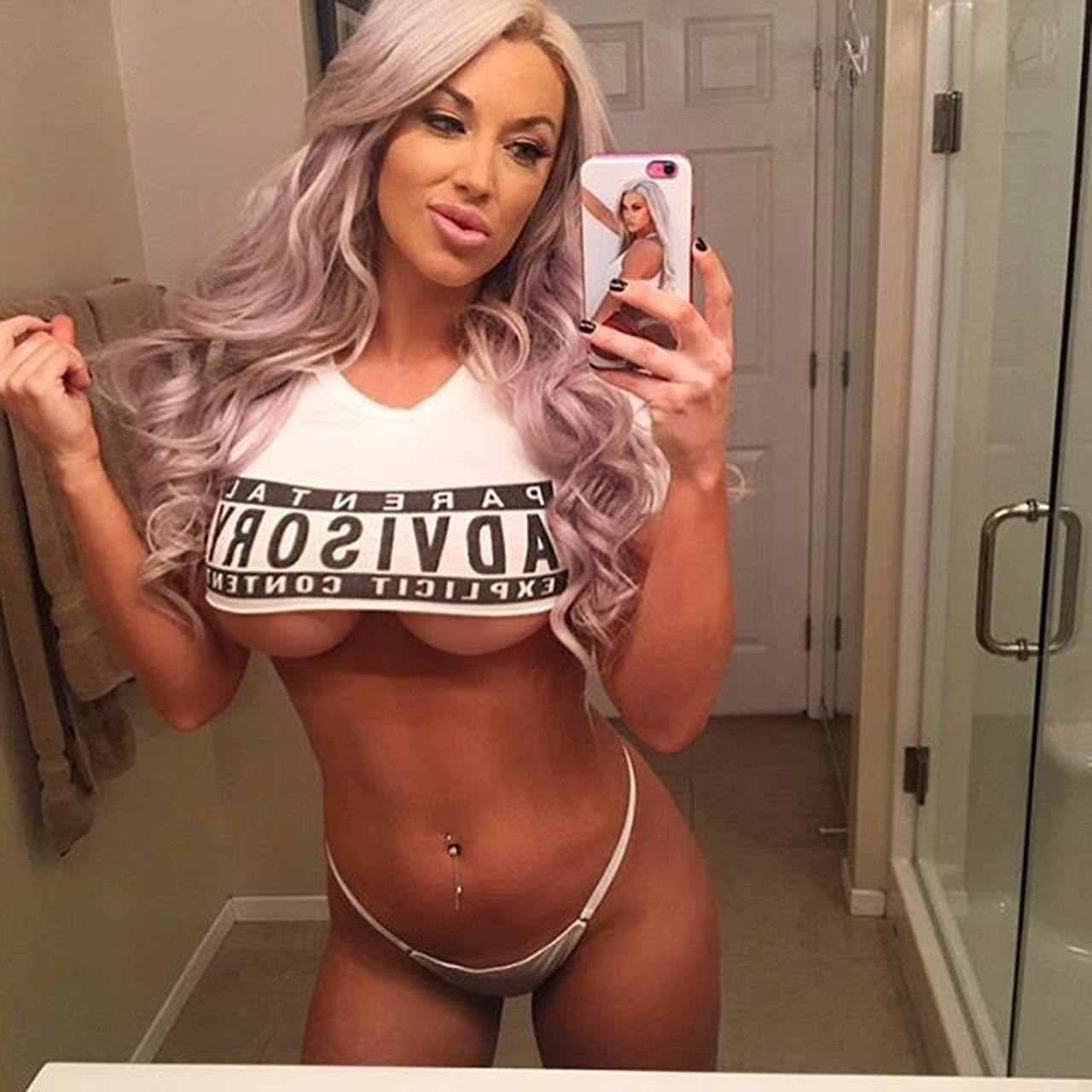 Laci Kay Somers Nude & Sexy 055