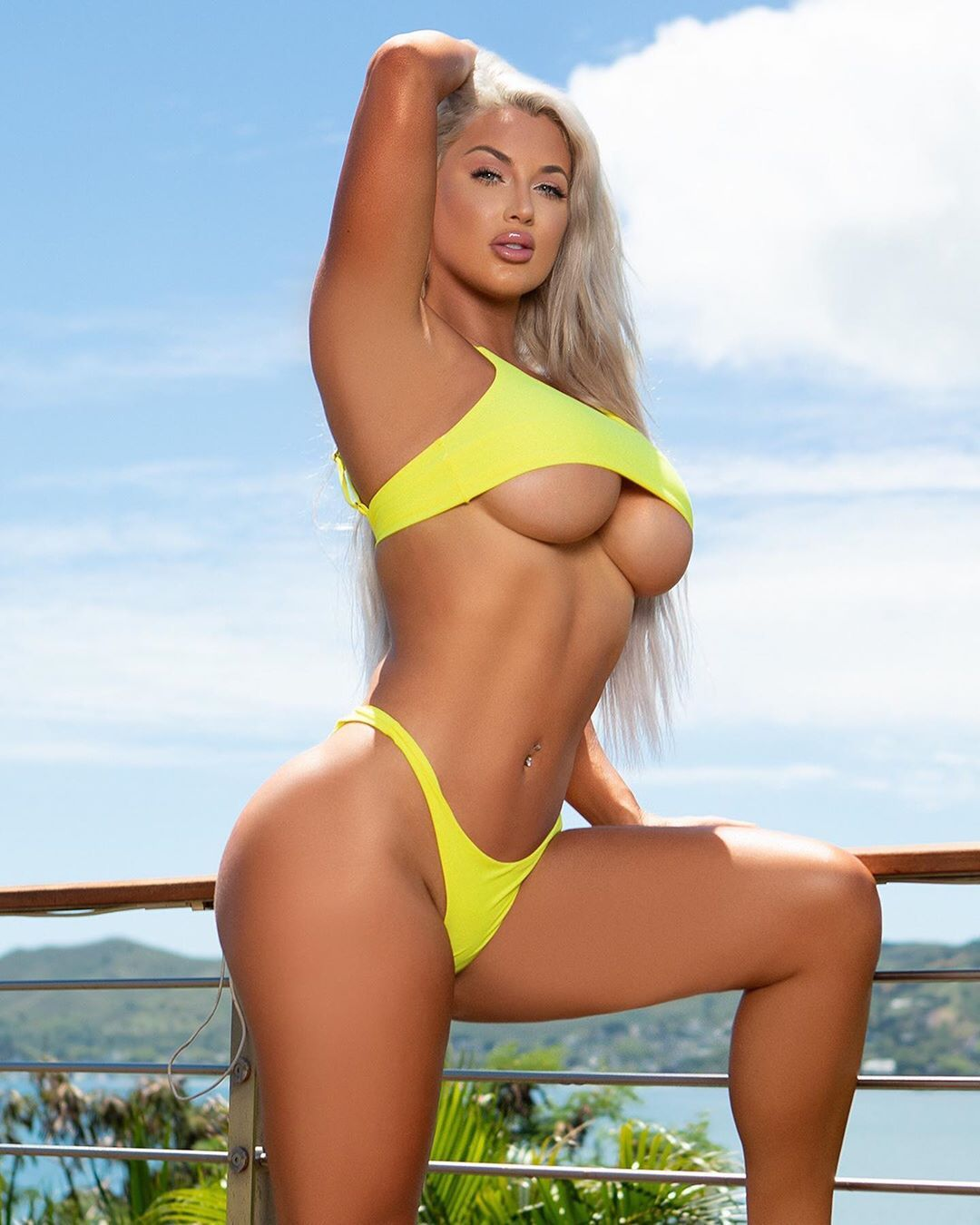 Laci Kay Somers Nude & Sexy 060