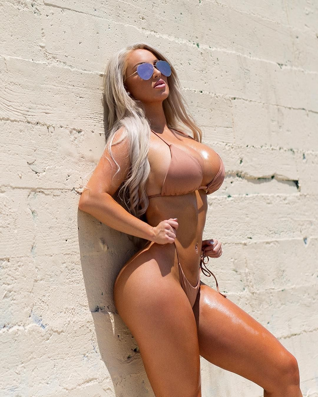 Laci Kay Somers Nude & Sexy 010