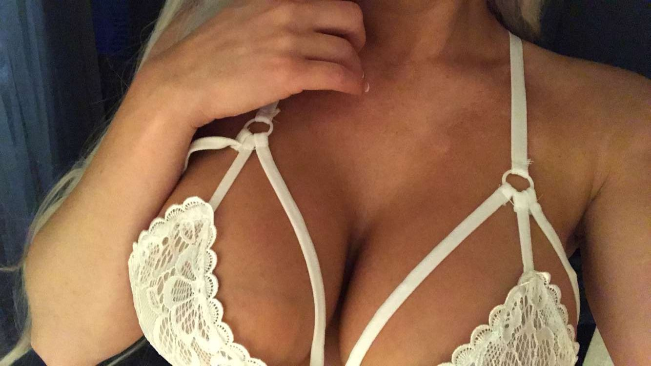 Laci Kay Somers Nude & Sexy 039