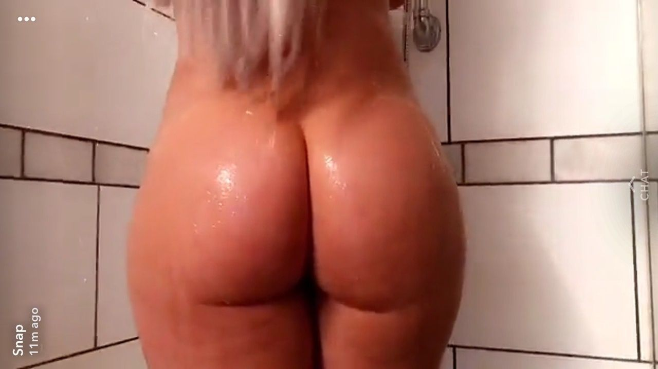 Laci Kay Somers Nude & Sexy 067