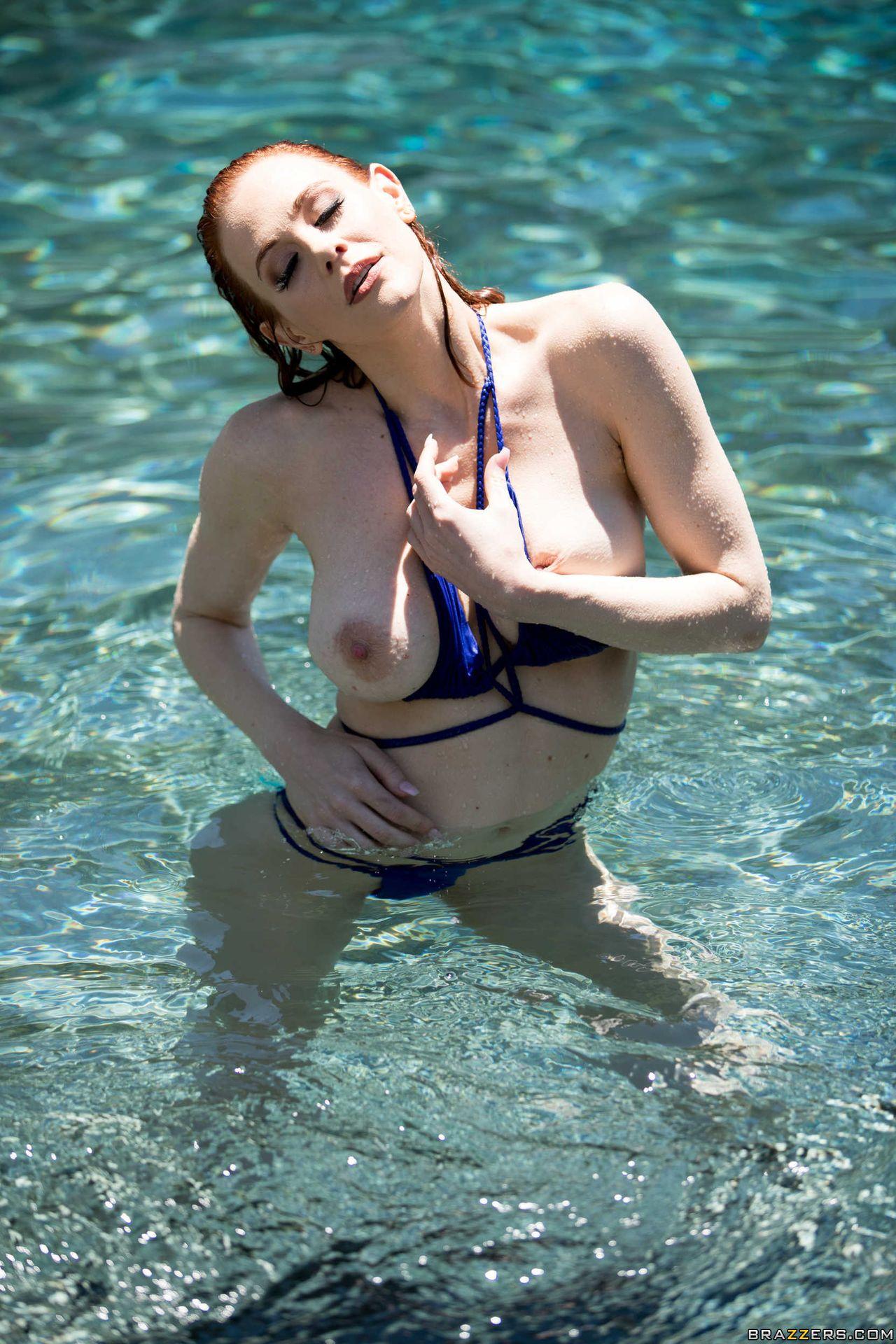 Maitland Ward Nude – Wet And Wild 019