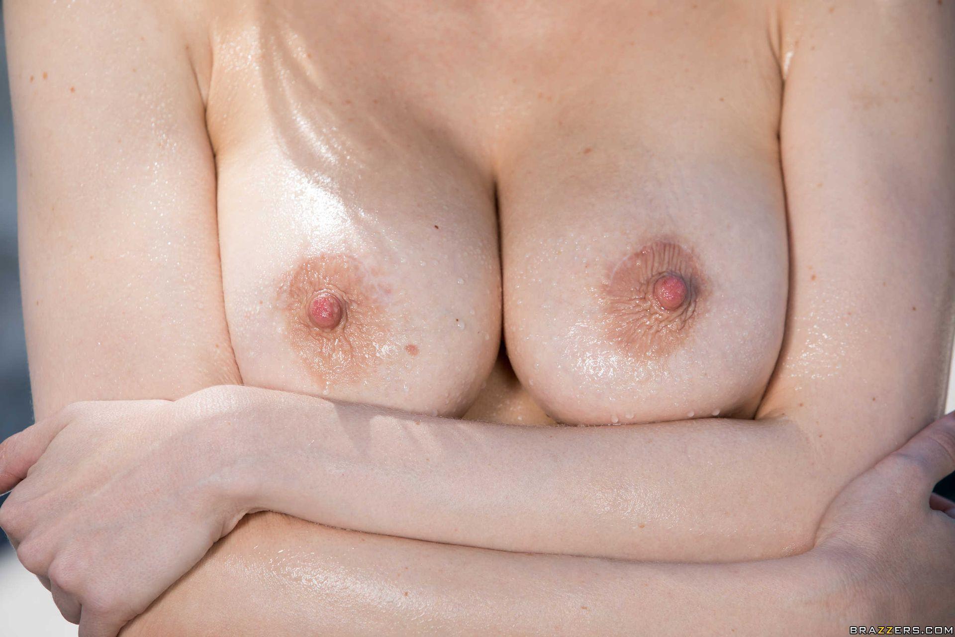 Maitland Ward Nude – Wet And Wild 010