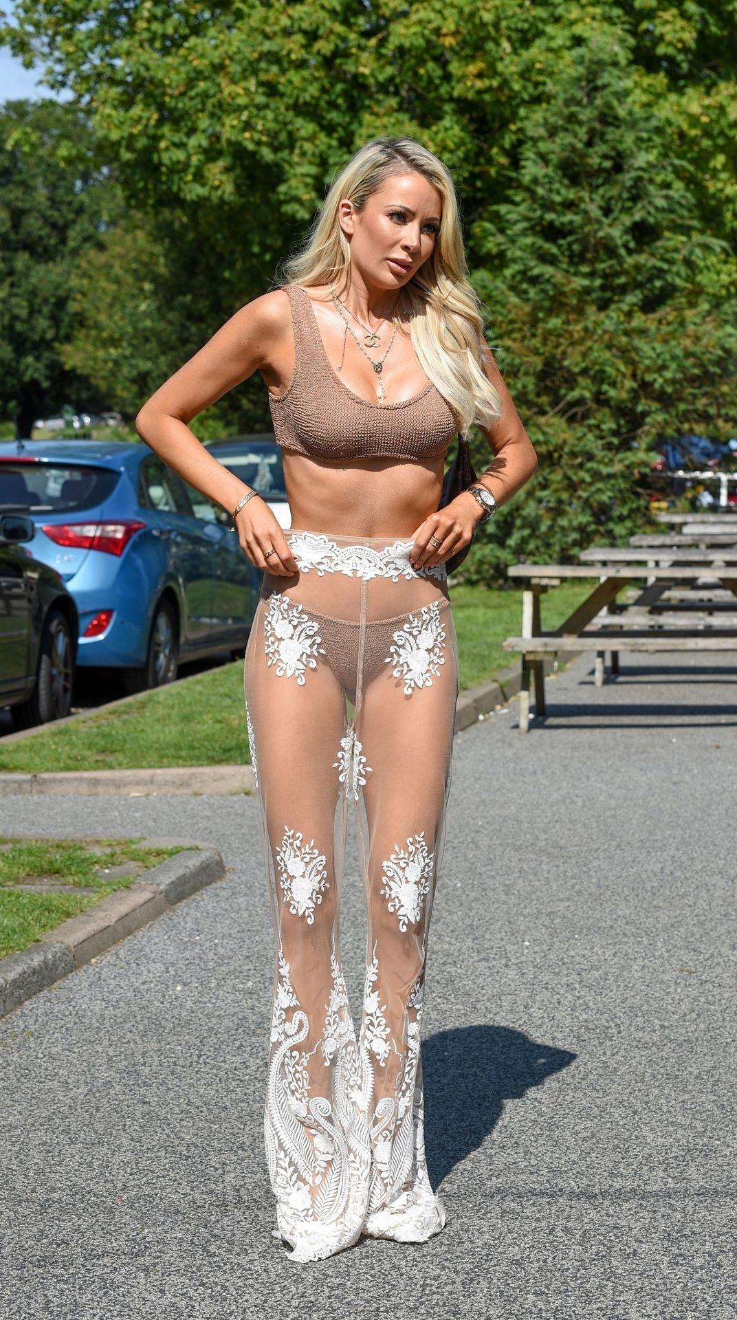 Olivia Attwood Sexy 012