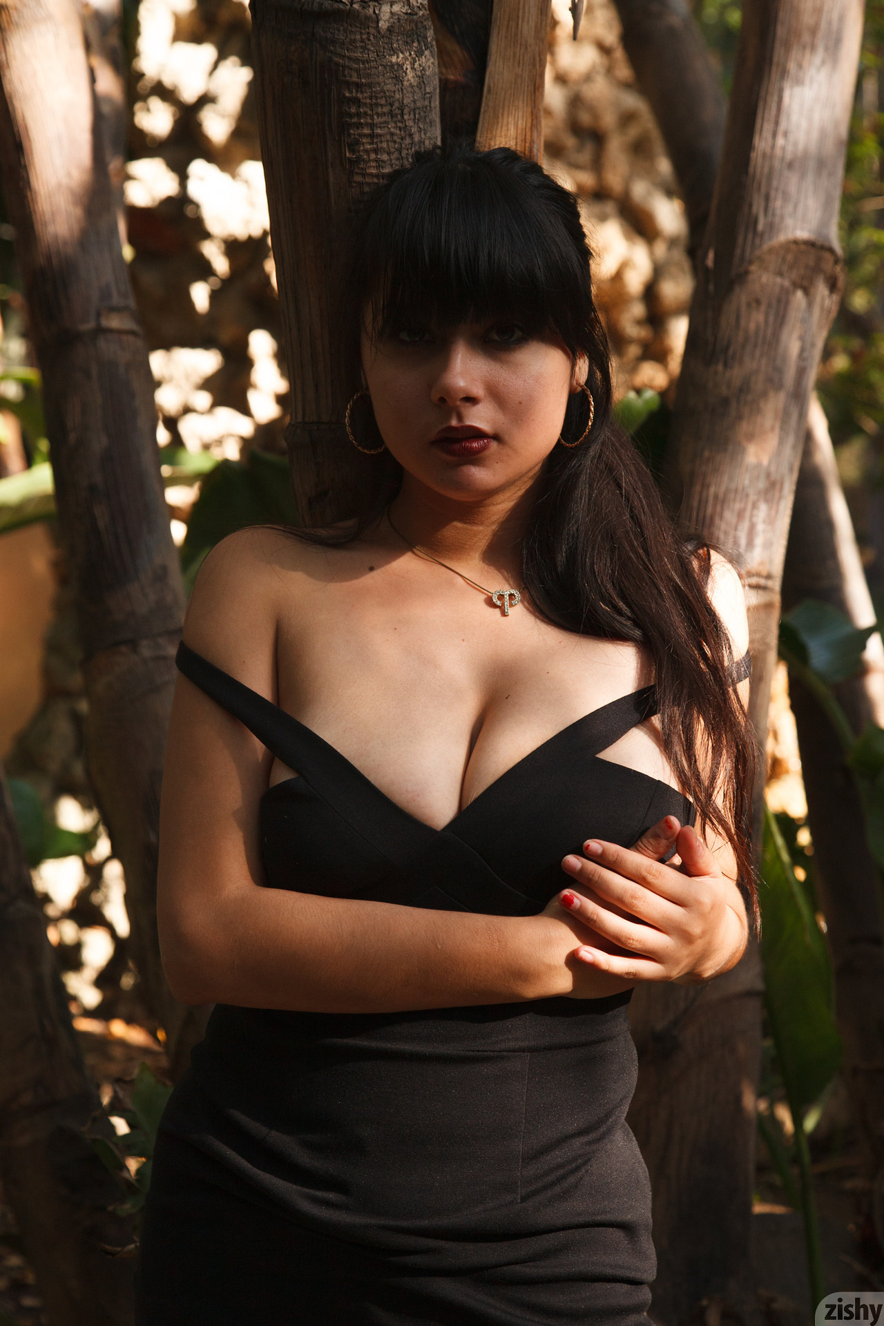 Amber Santos Bentleys And No Fux Zishy (21)