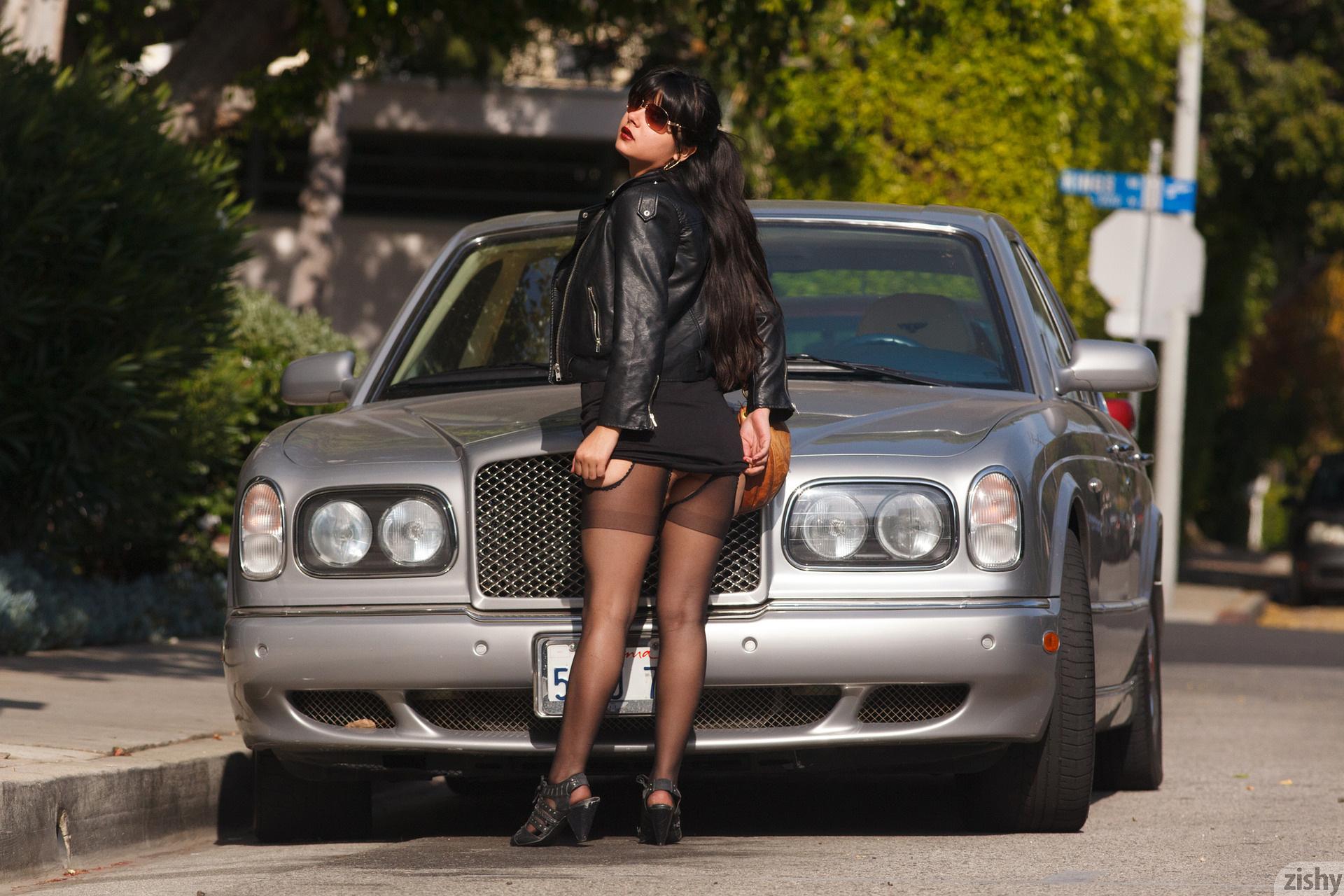 Amber Santos Bentleys And No Fux Zishy (4)