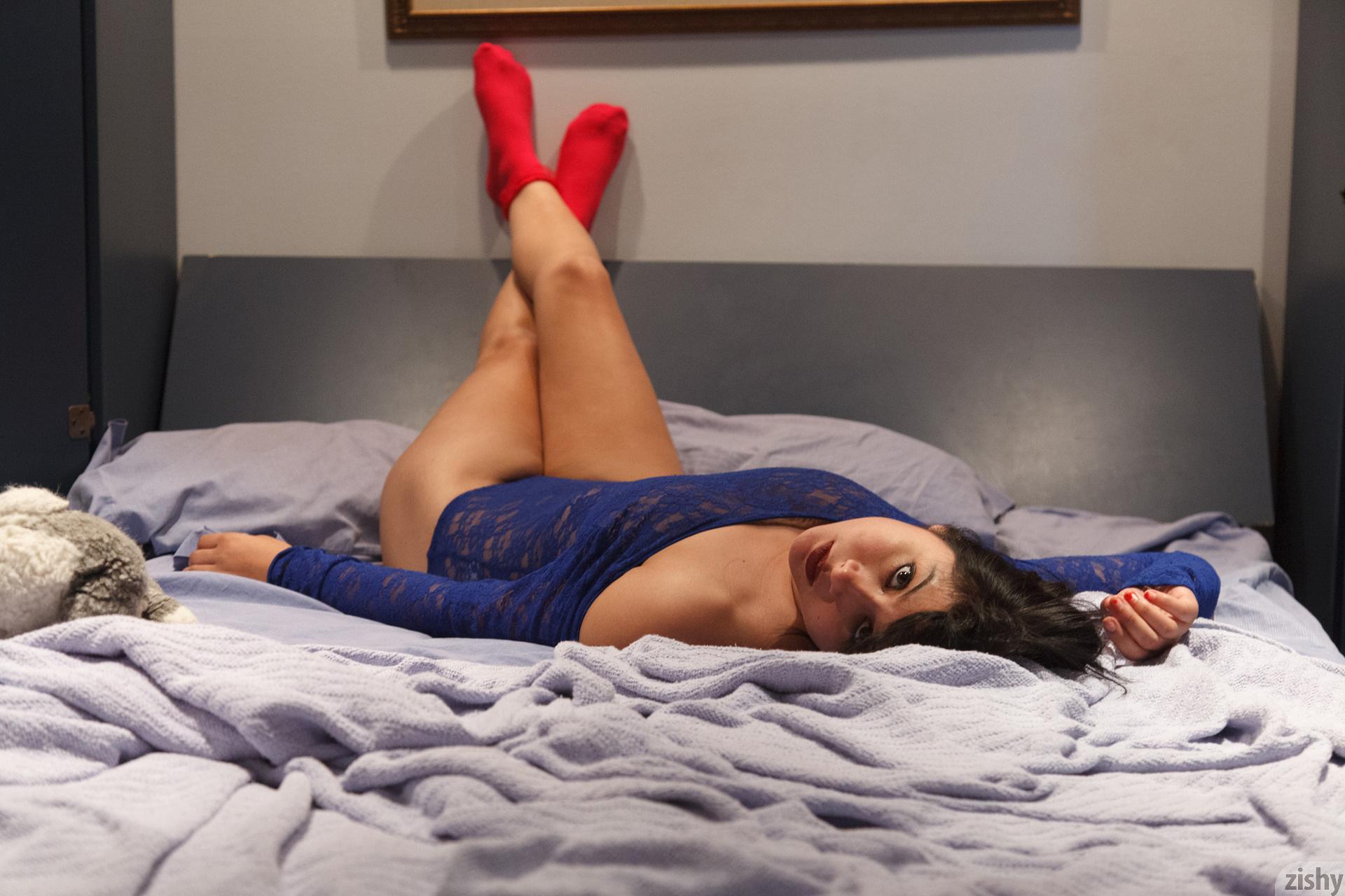 Amber Santos Bentleys And No Fux Zishy (49)