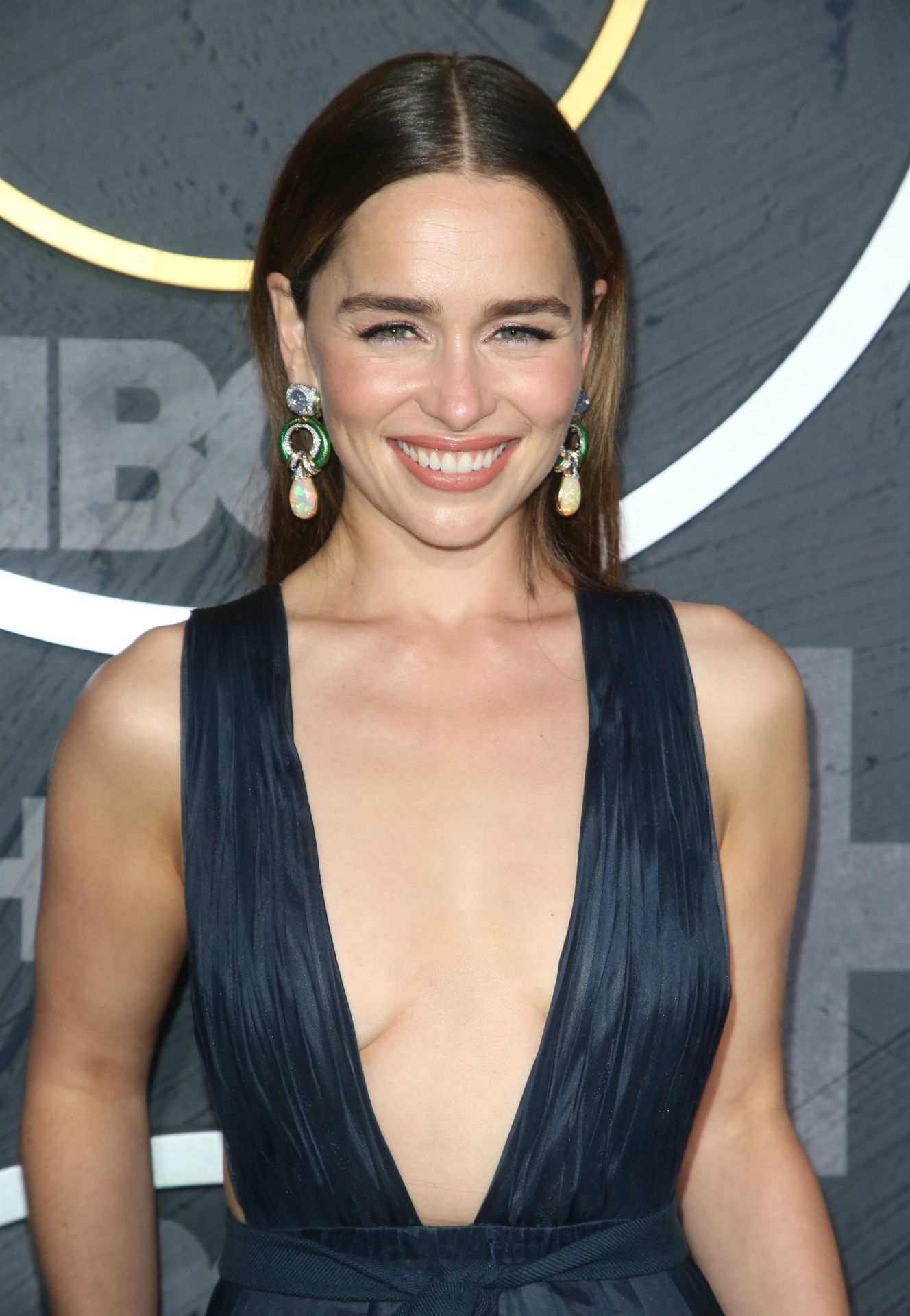 Emilia Clarke Sexy 002