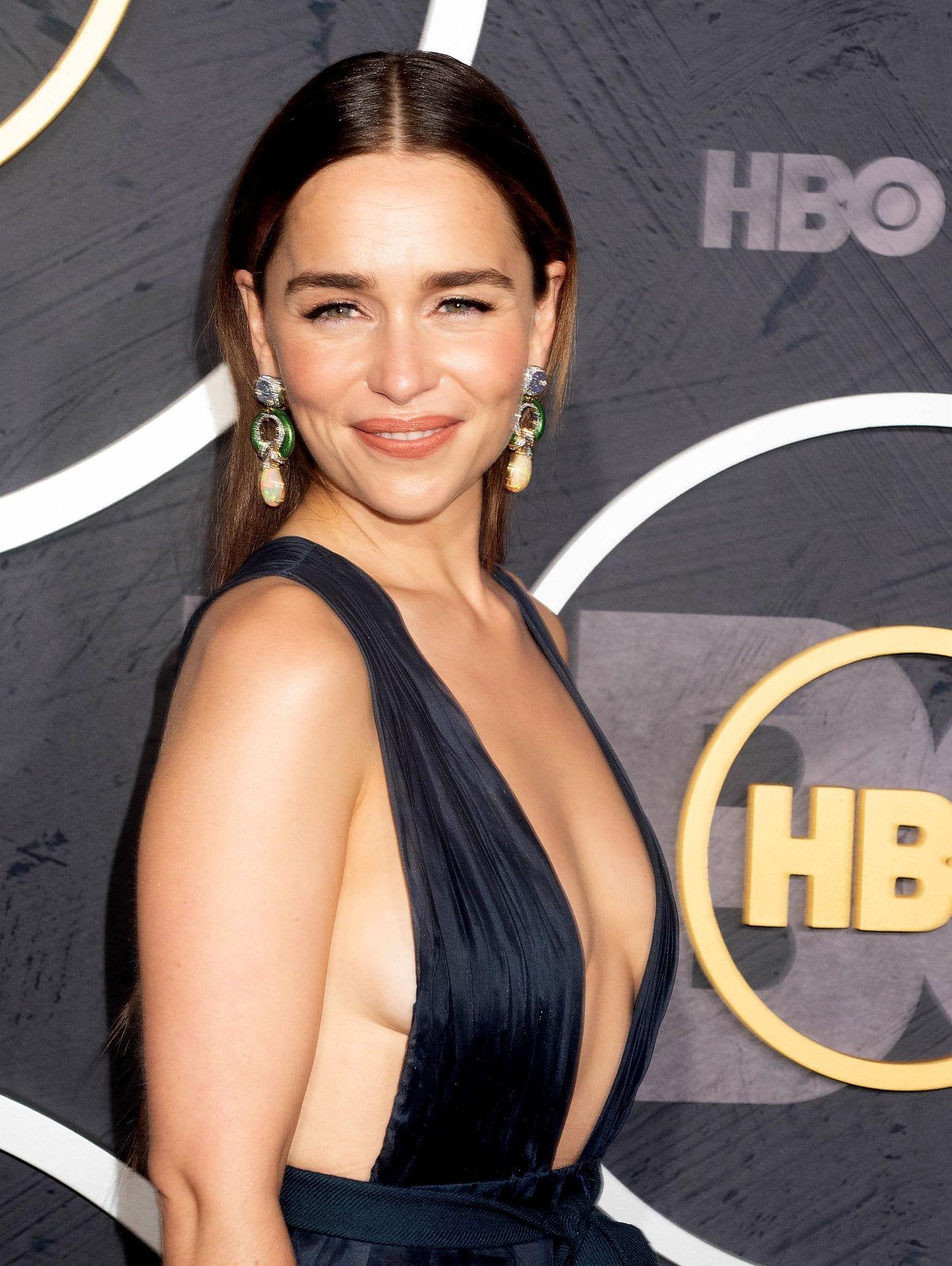 Emilia Clarke Sexy 014