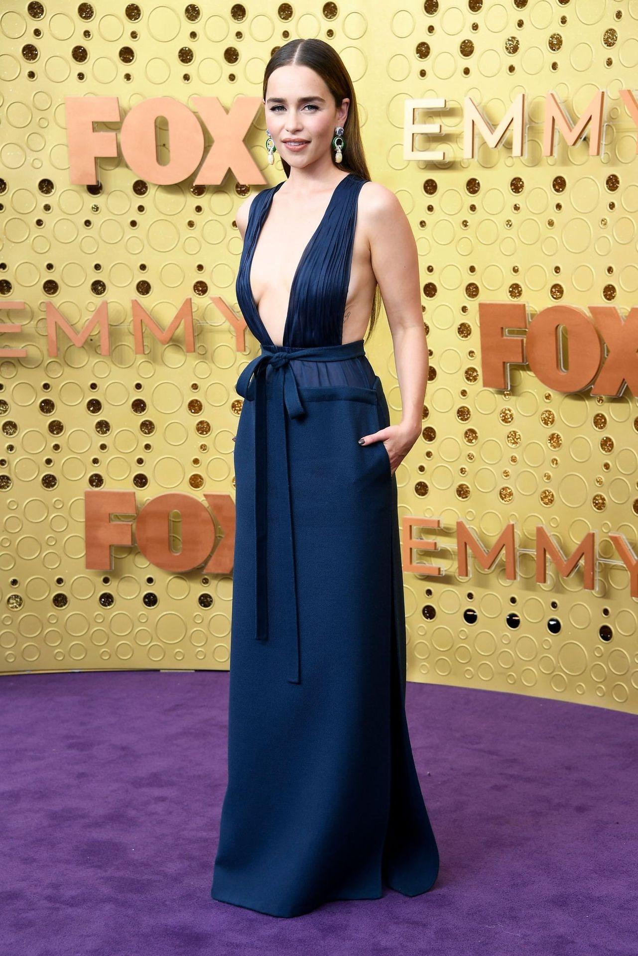 Emilia Clarke Sexy 029