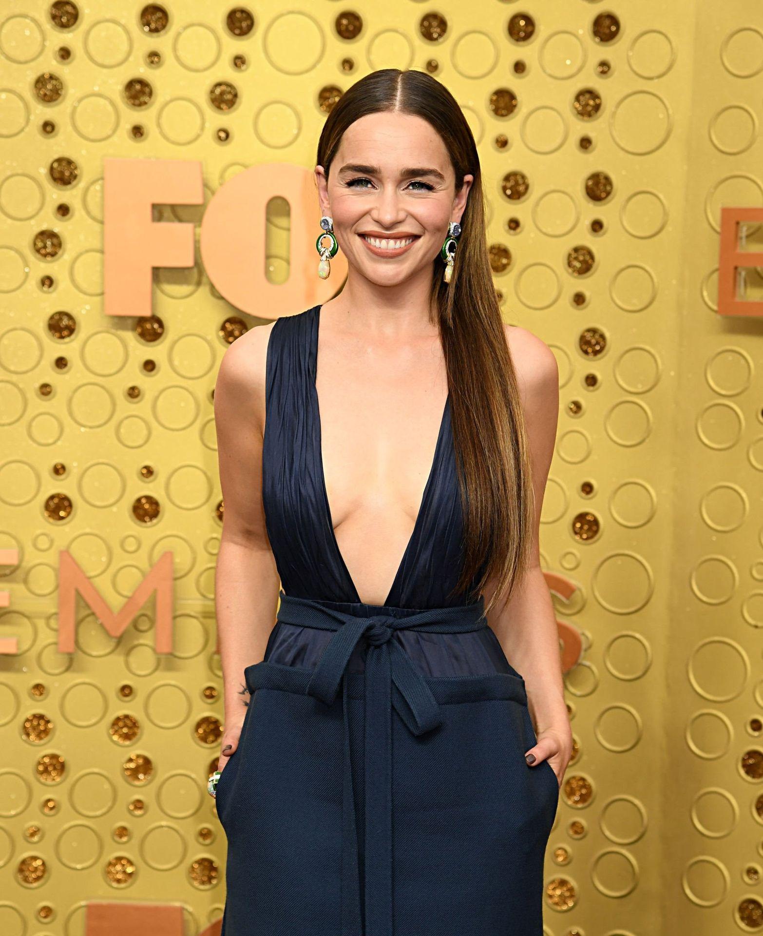 Emilia Clarke Sexy 031