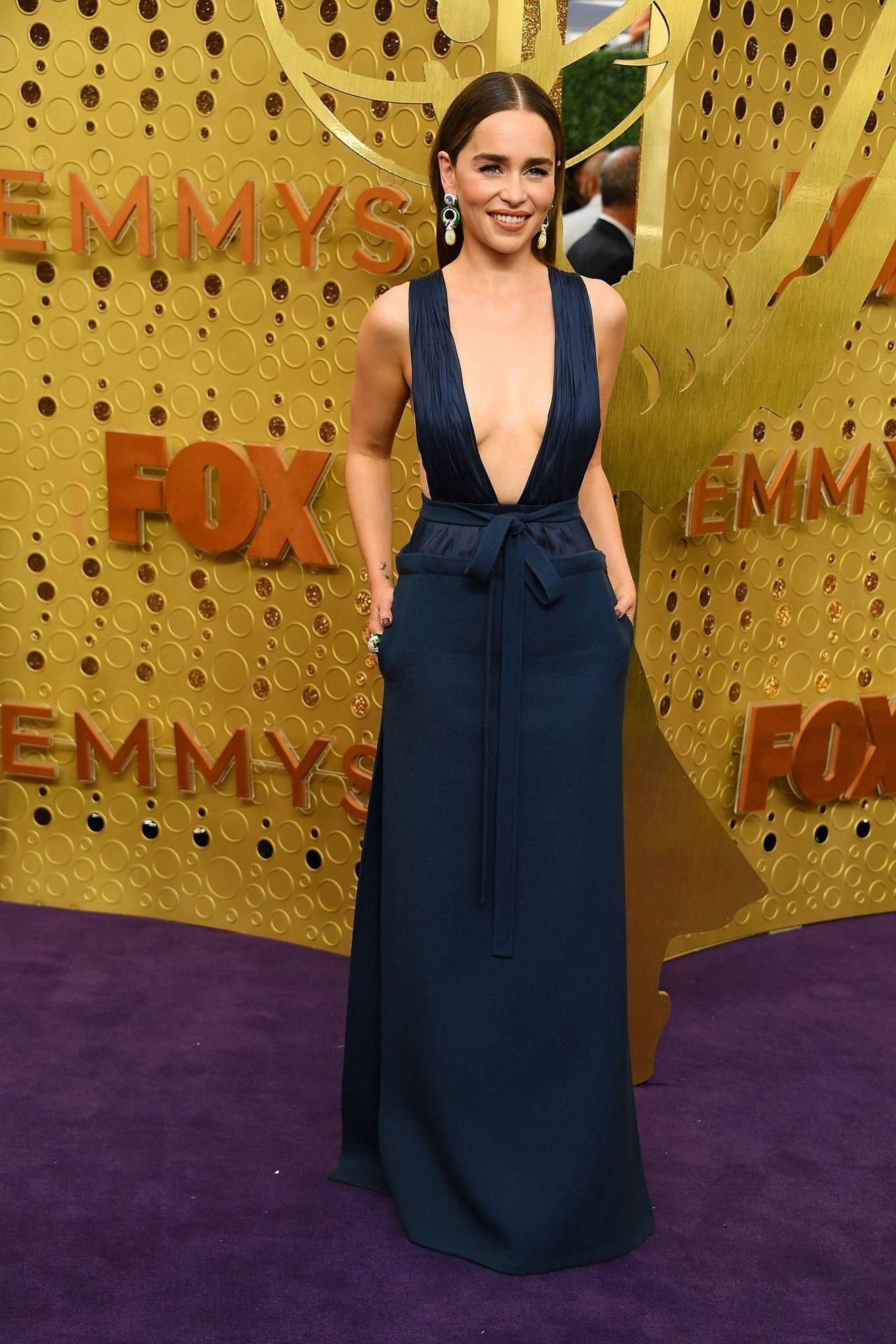 Emilia Clarke Sexy 034