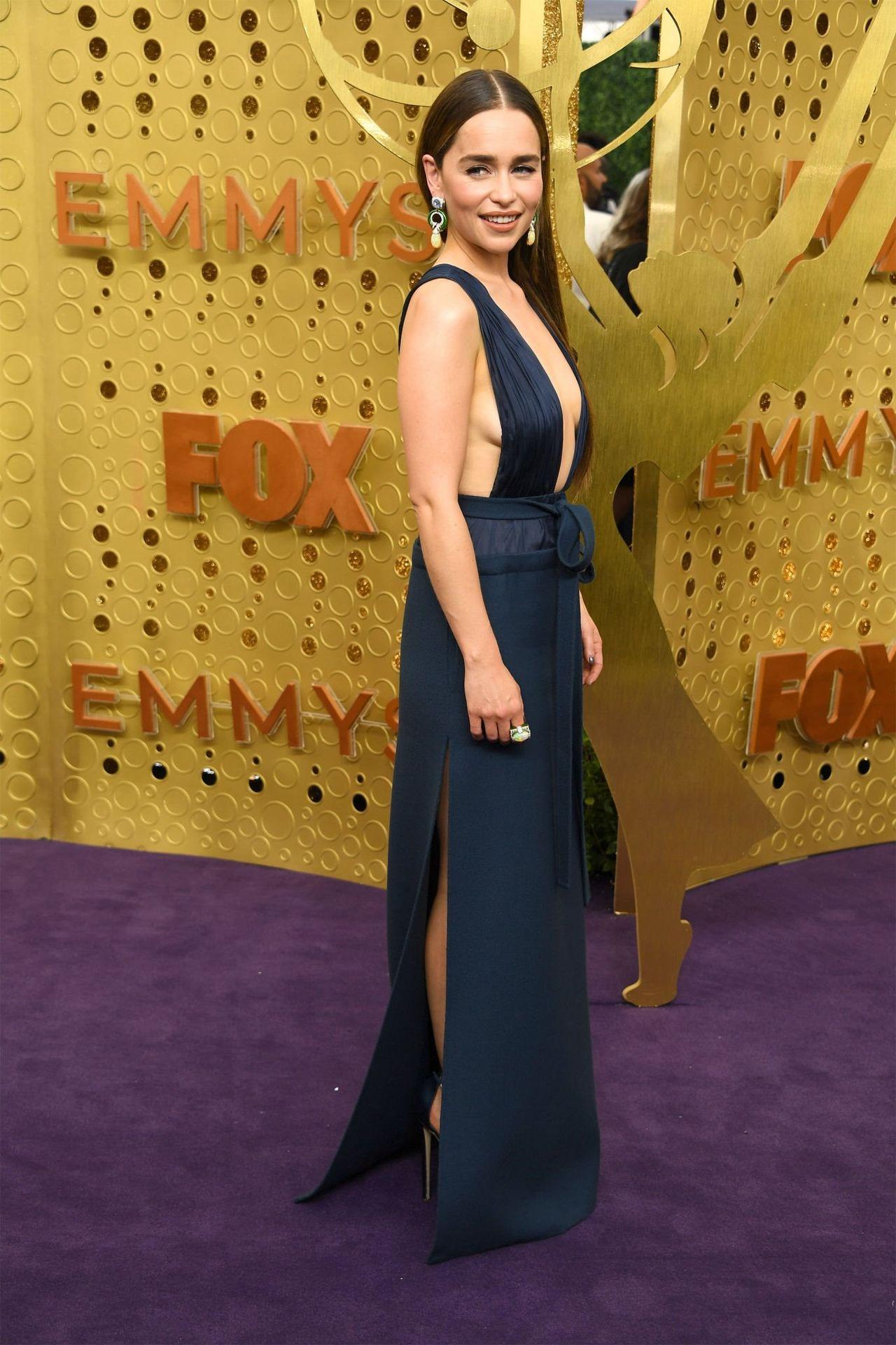Emilia Clarke Sexy 035