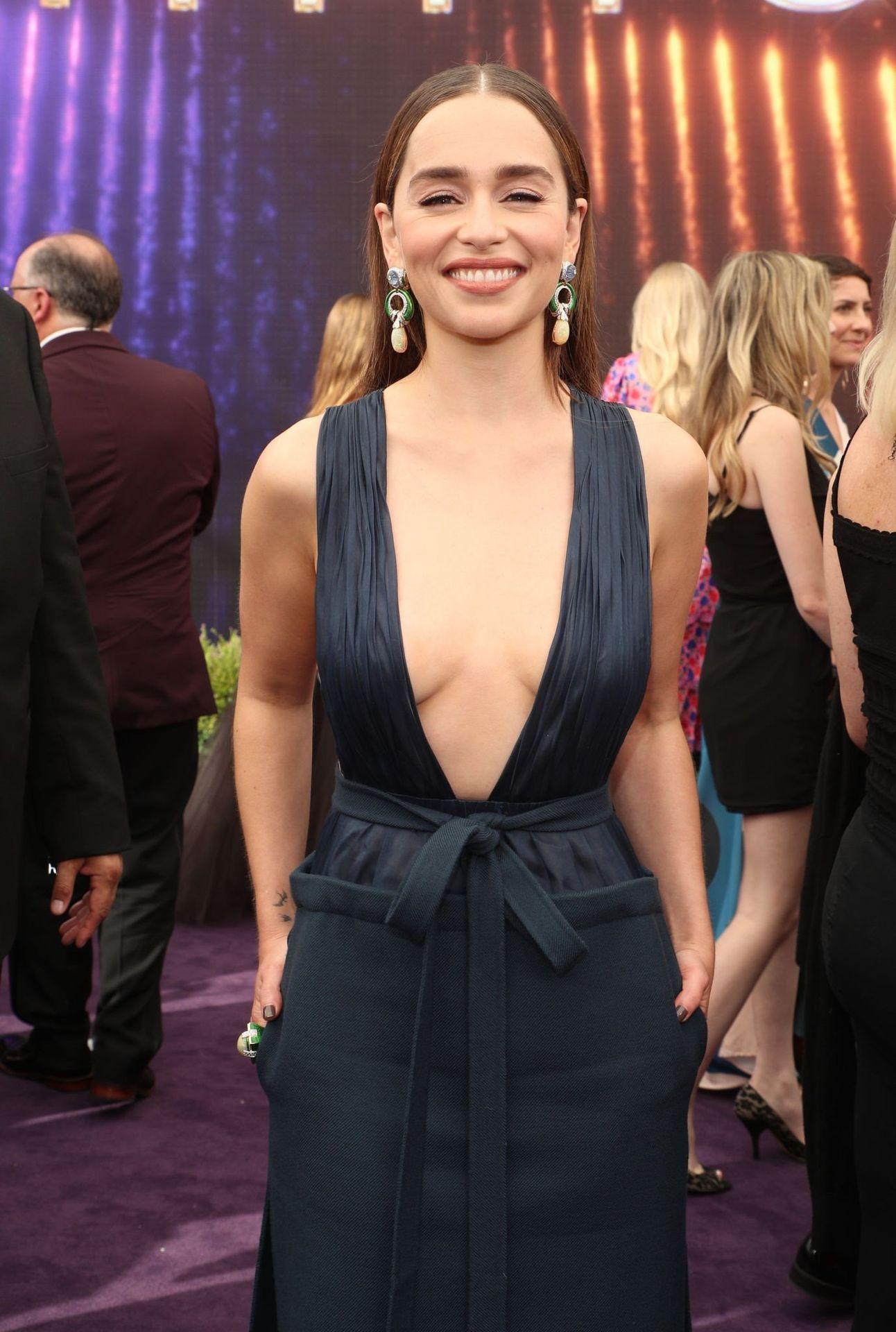 Emilia Clarke Sexy 047