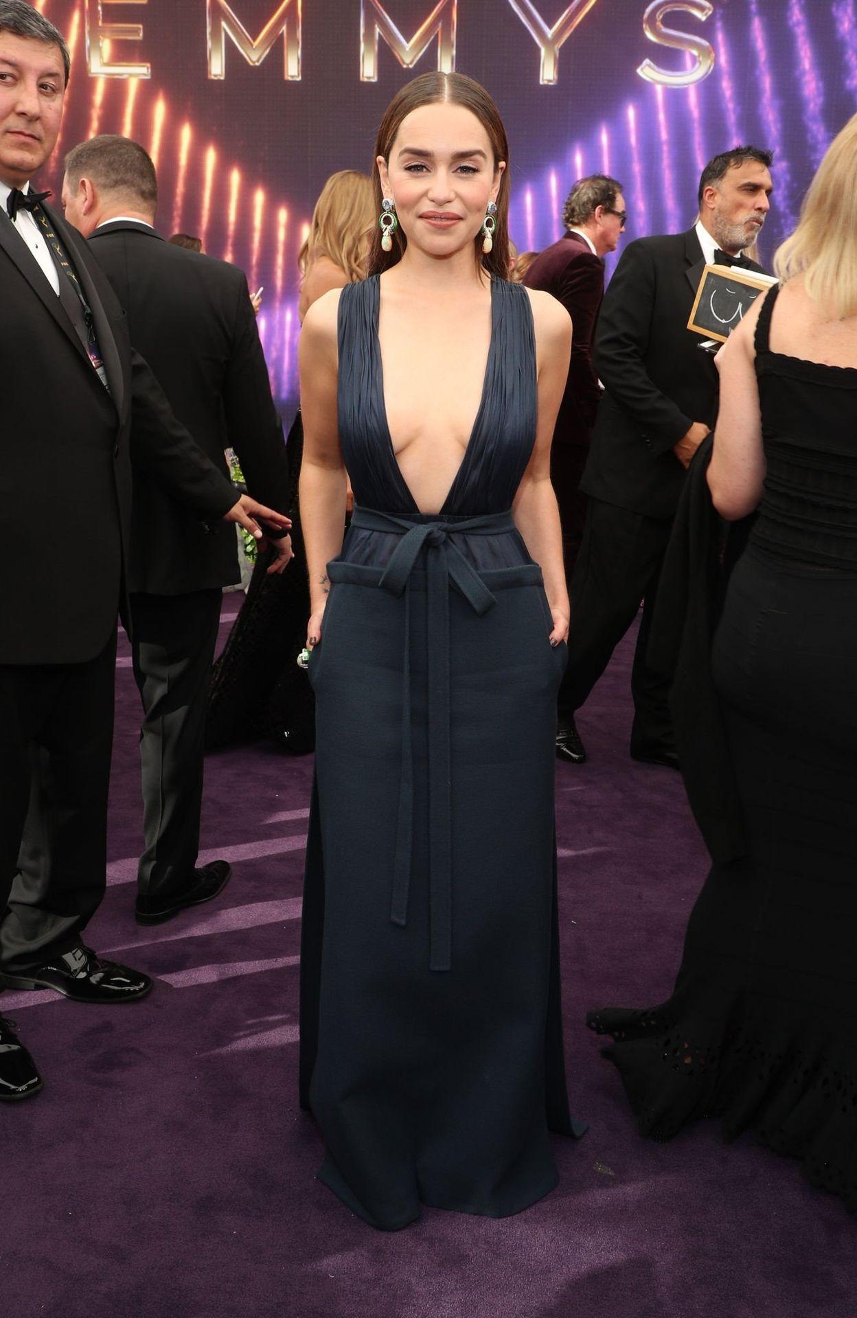 Emilia Clarke Sexy 048