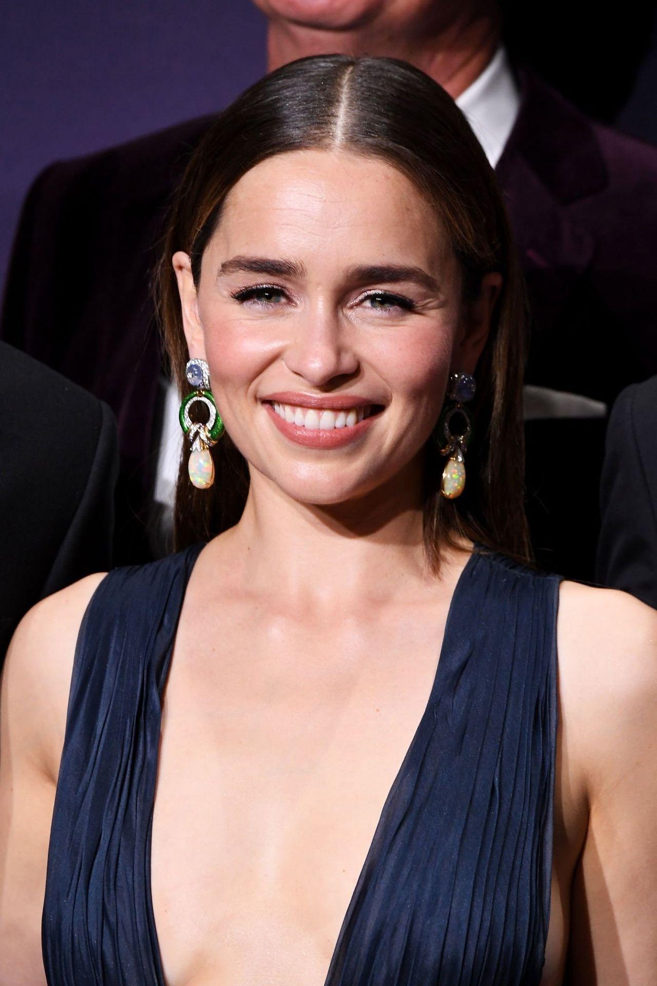 Emilia Clarke Sexy 049