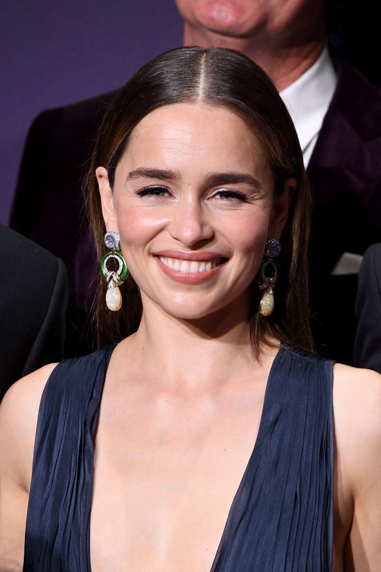 Emilia Clarke Sexy 050