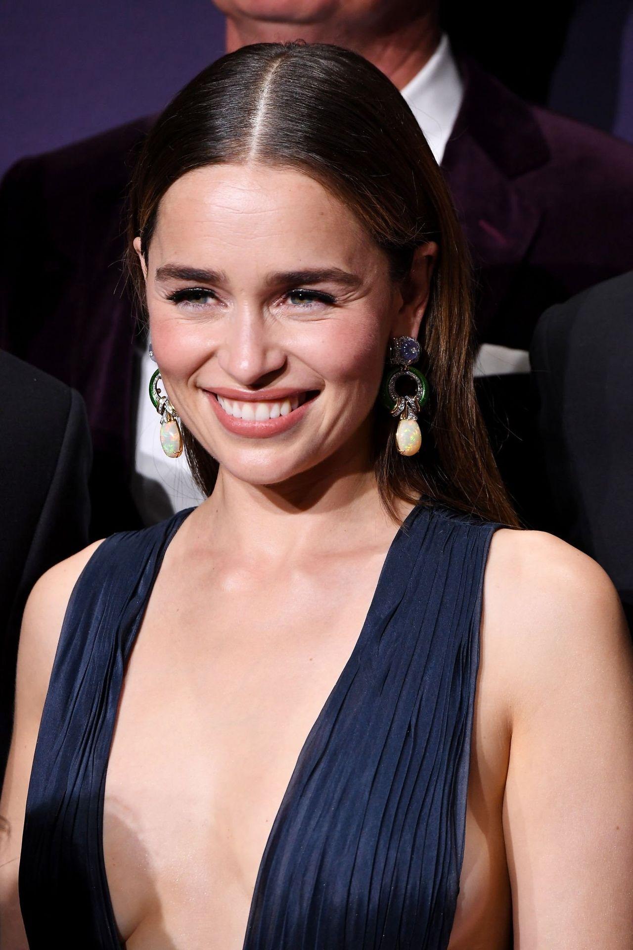 Emilia Clarke Sexy 051