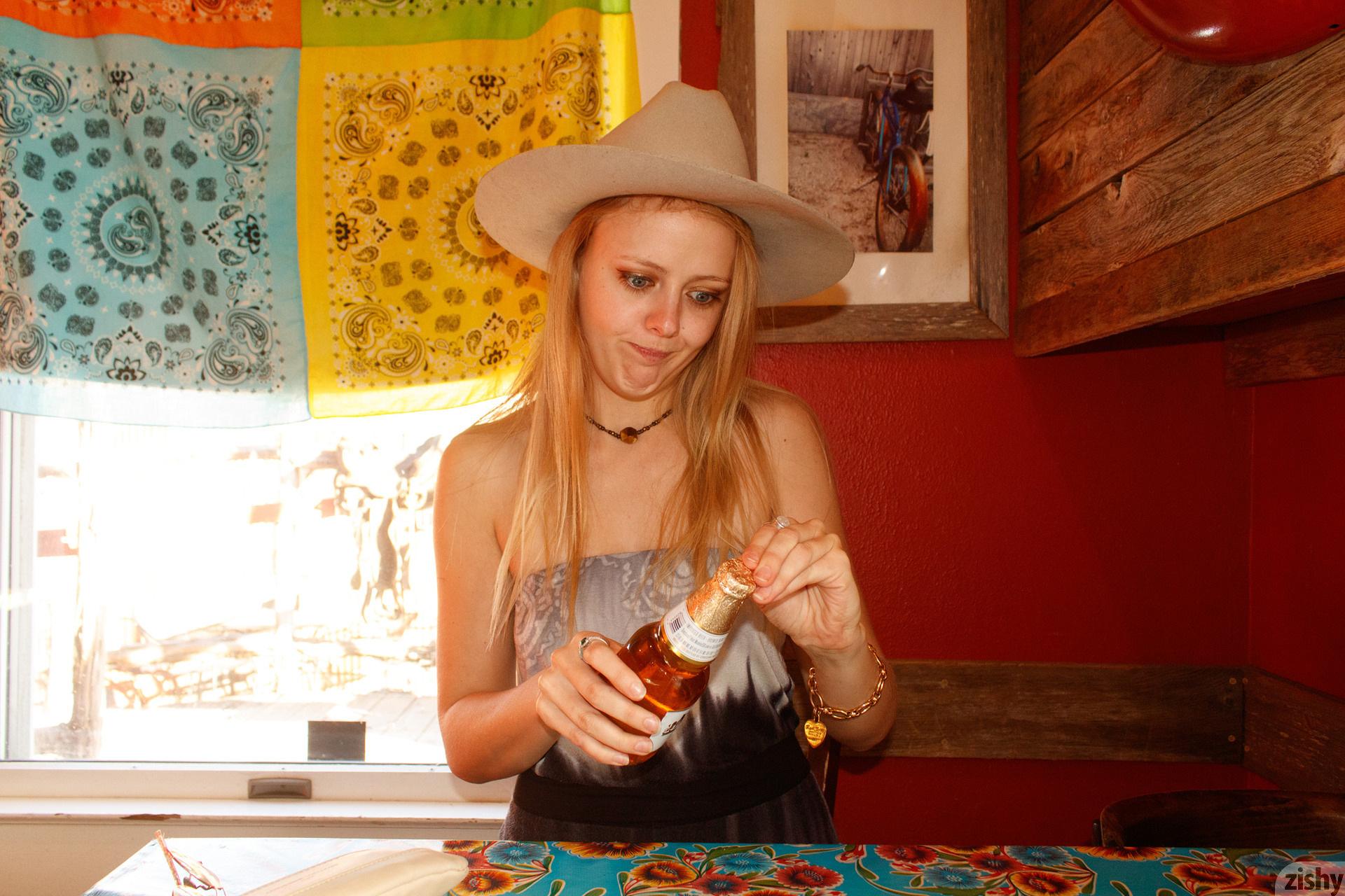 Helen Bergstrom Holy Guacamole Zishy (2)