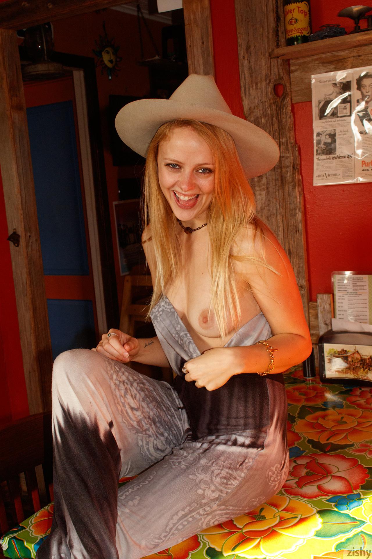 Helen Bergstrom Holy Guacamole Zishy (18)