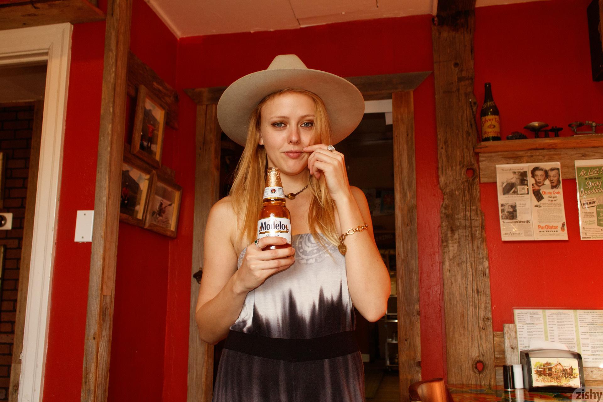 Helen Bergstrom Holy Guacamole Zishy (4)