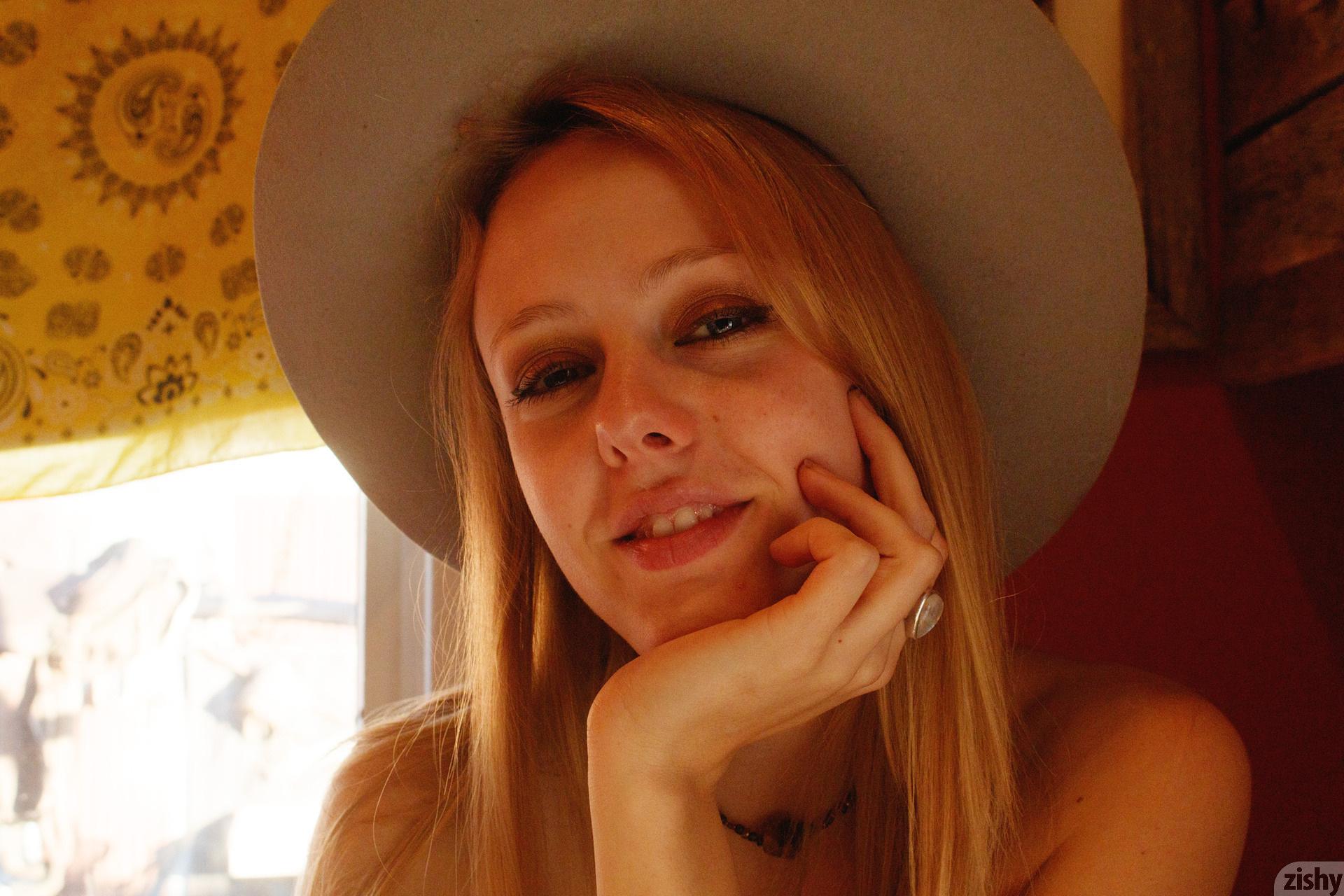 Helen Bergstrom Holy Guacamole Zishy (43)