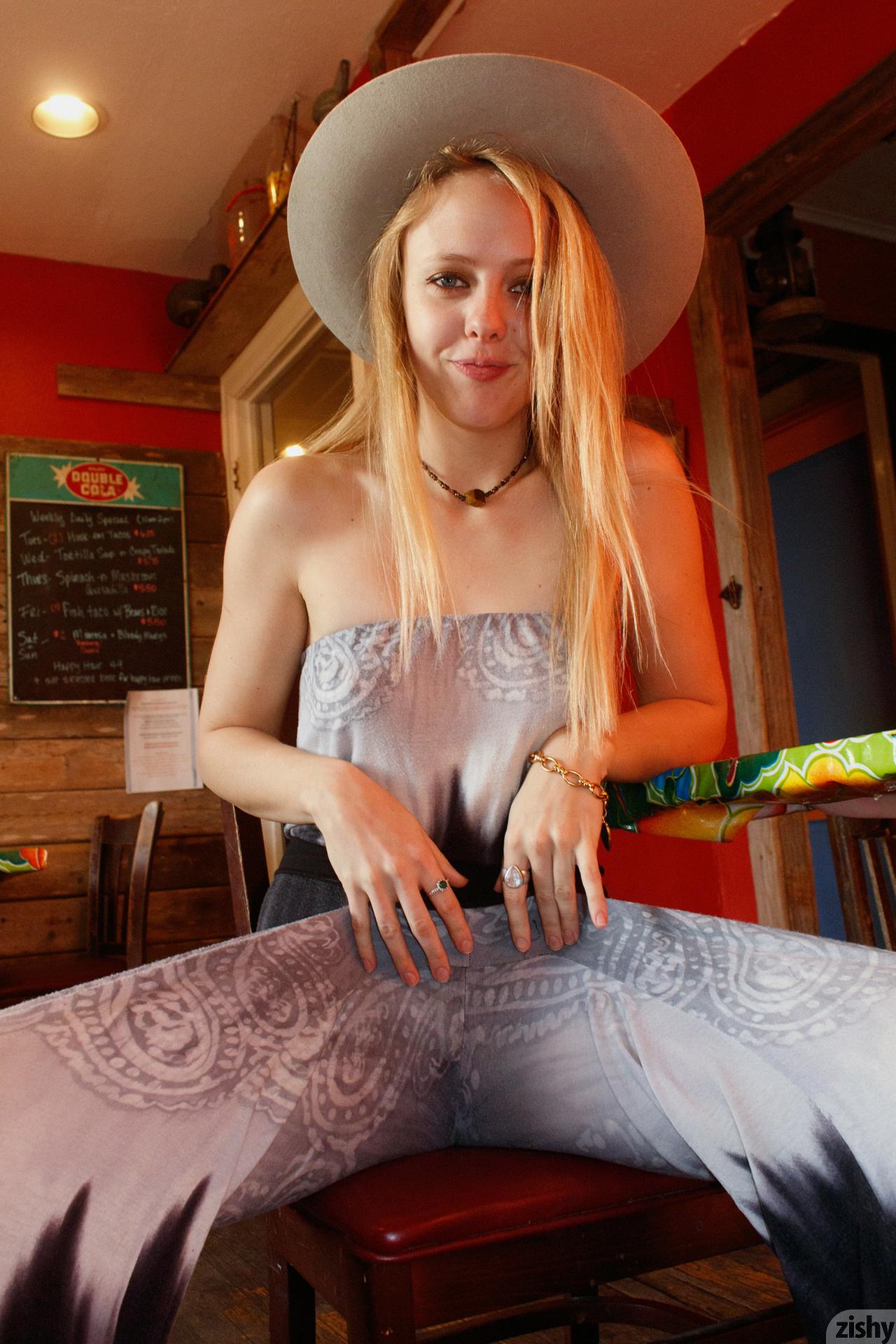 Helen Bergstrom Holy Guacamole Zishy (46)