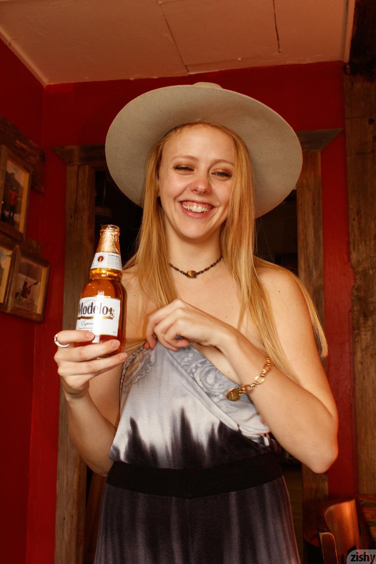 Helen Bergstrom Holy Guacamole Zishy (8)