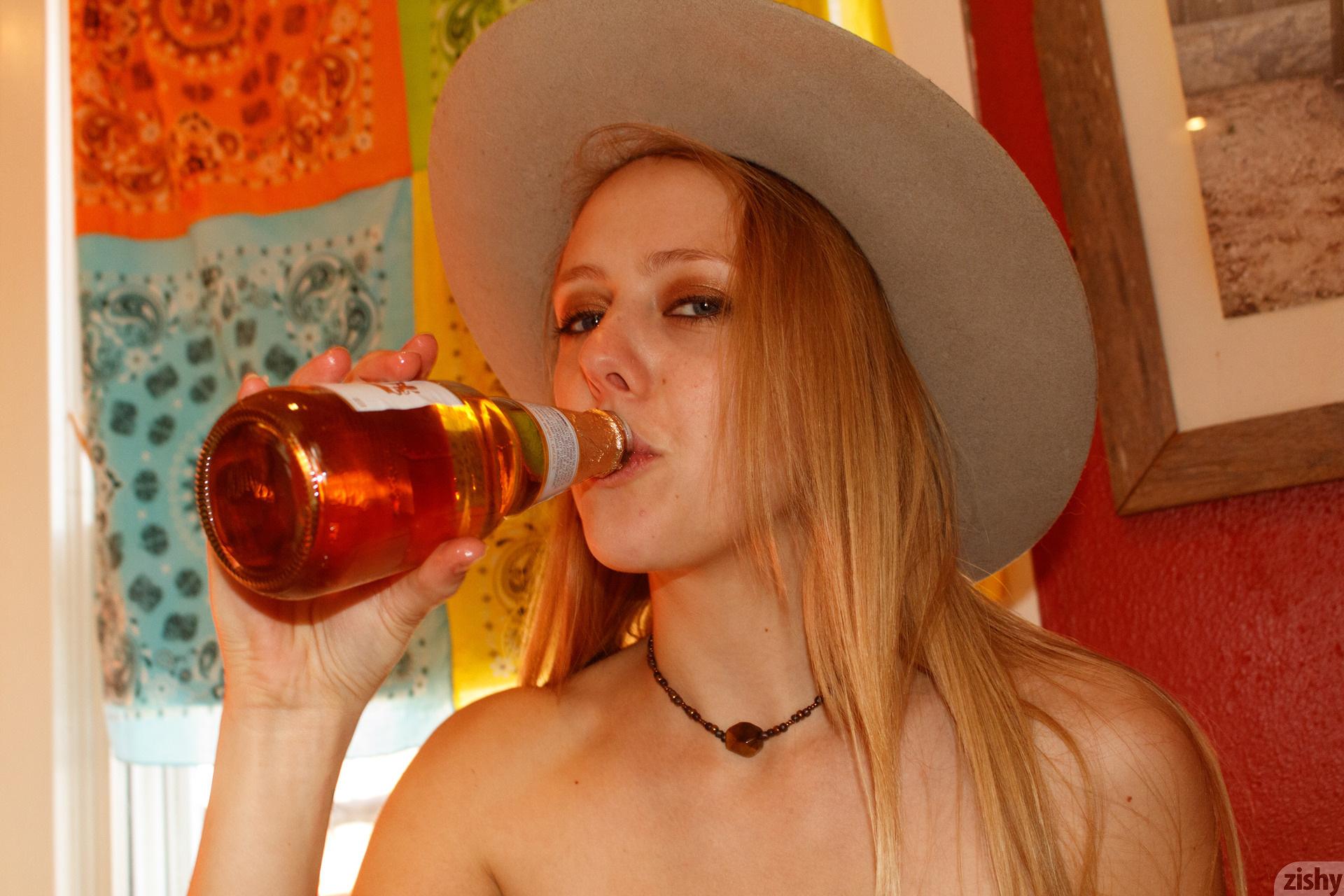 Helen Bergstrom Holy Guacamole Zishy (10)