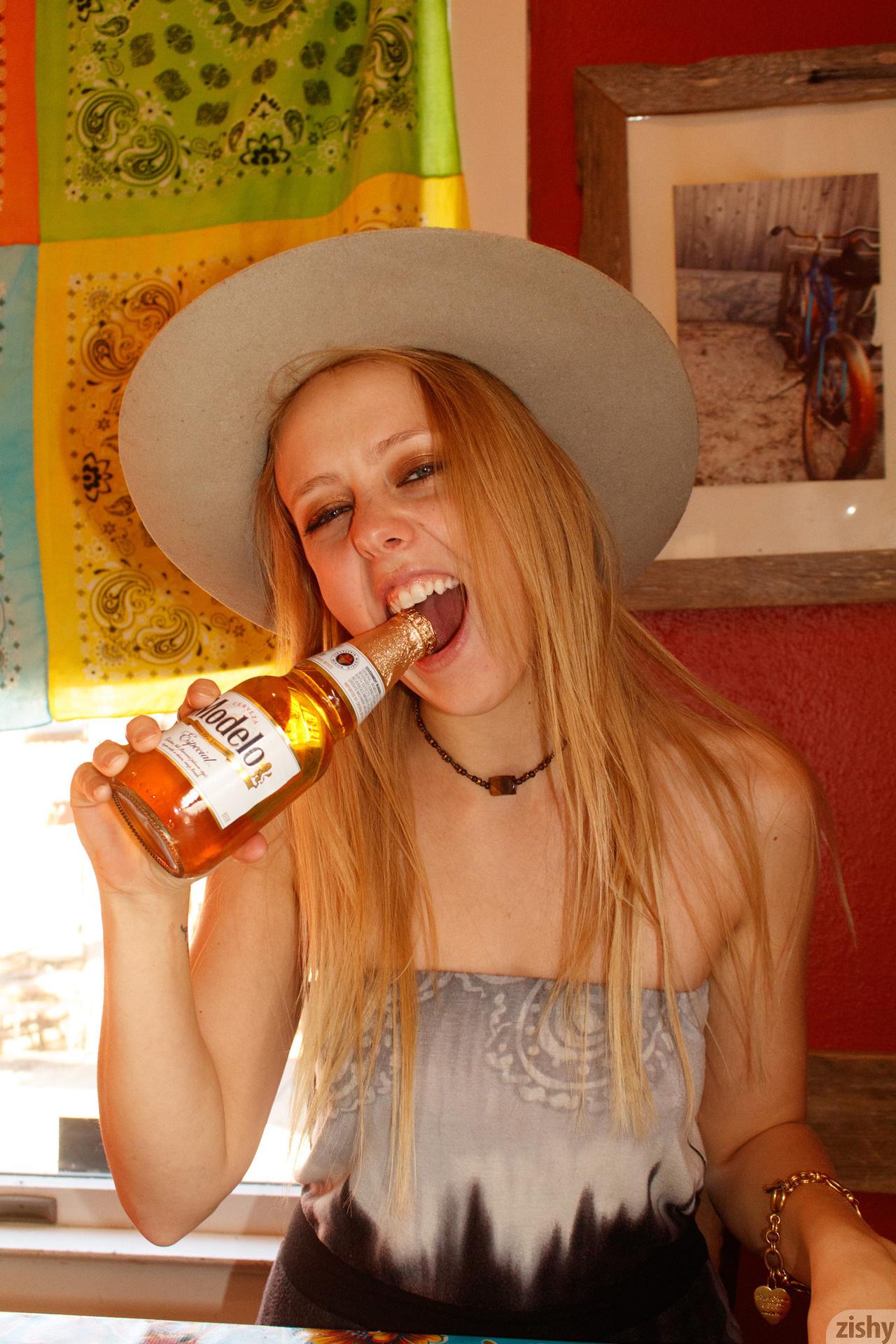 Helen Bergstrom Holy Guacamole Zishy (1)