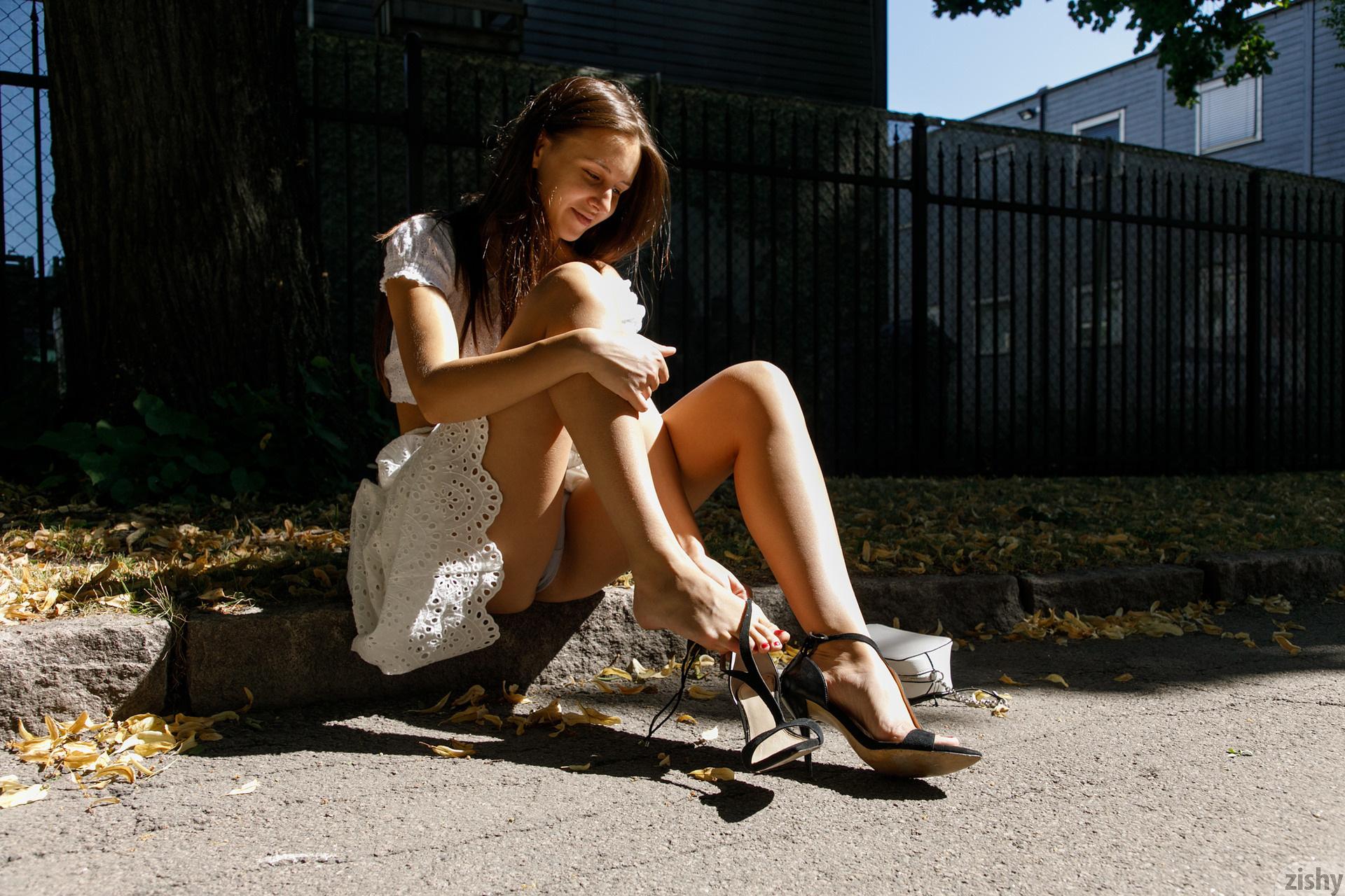 Jessica Albanka Melts Oslo Zishy (30)