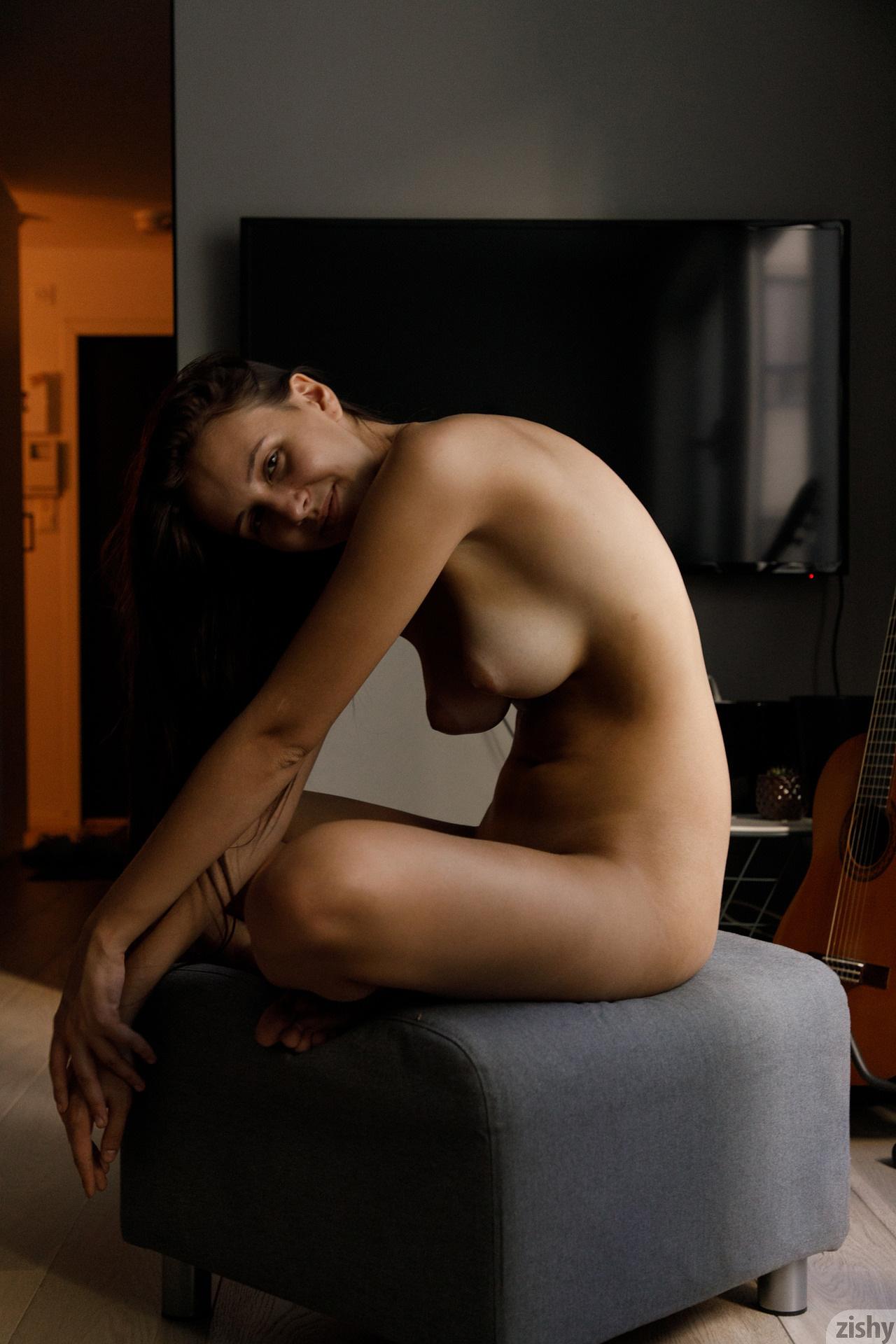 Jessica Albanka Melts Oslo Zishy (69)
