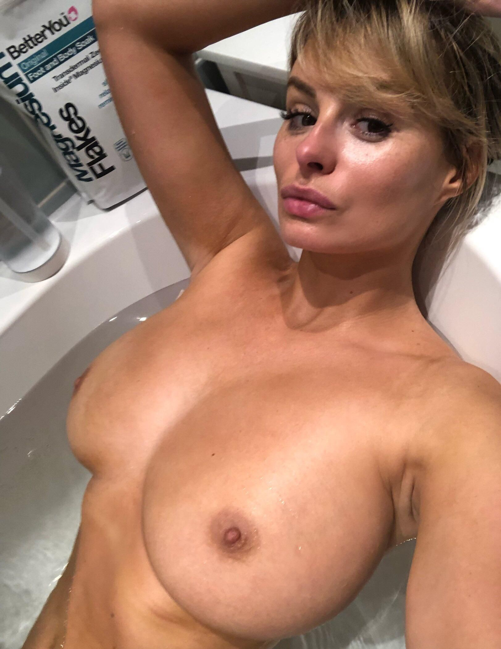 Rhian Sugden Nude Leaked The Fappening 001