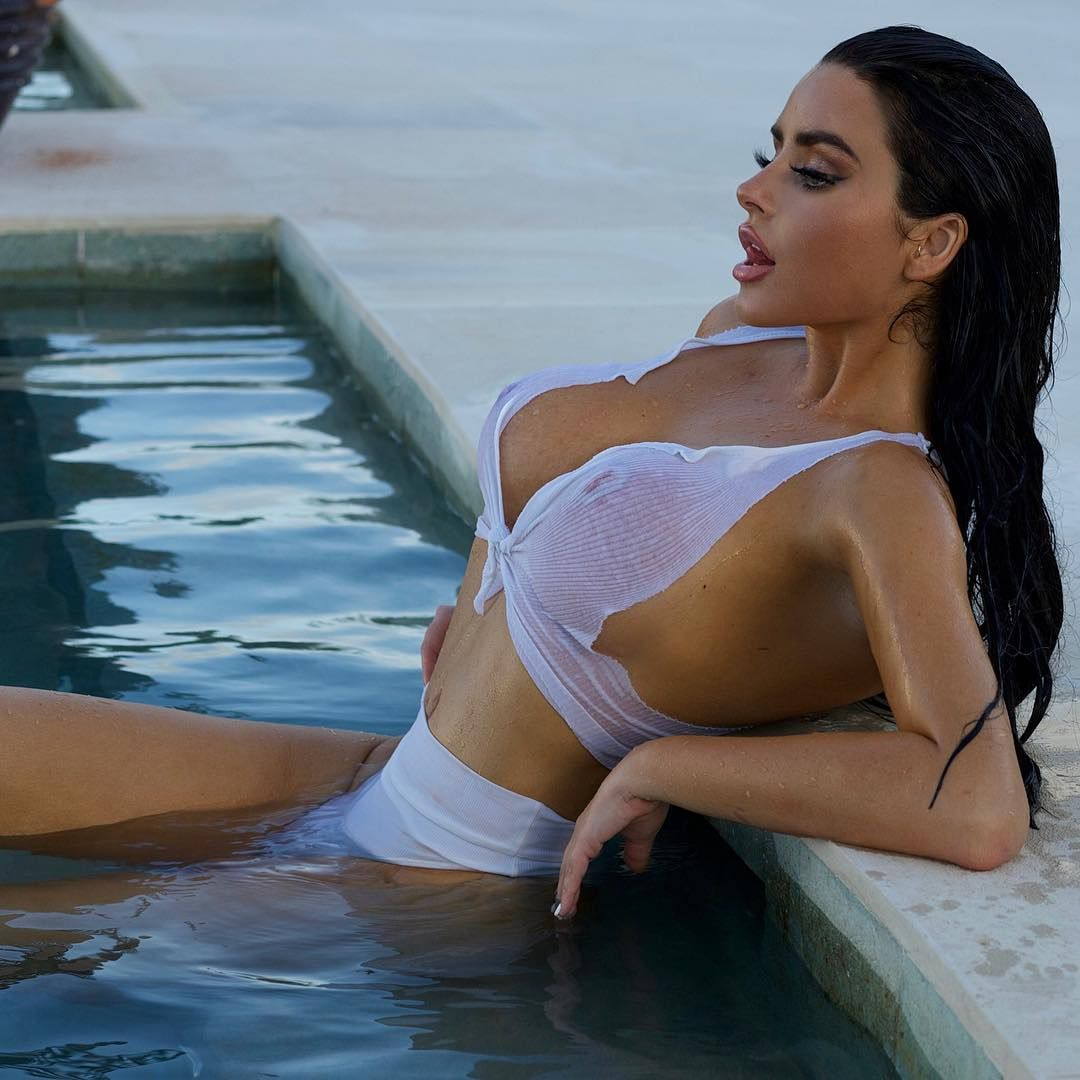 Abigail Ratchford Nude & Sexy 108