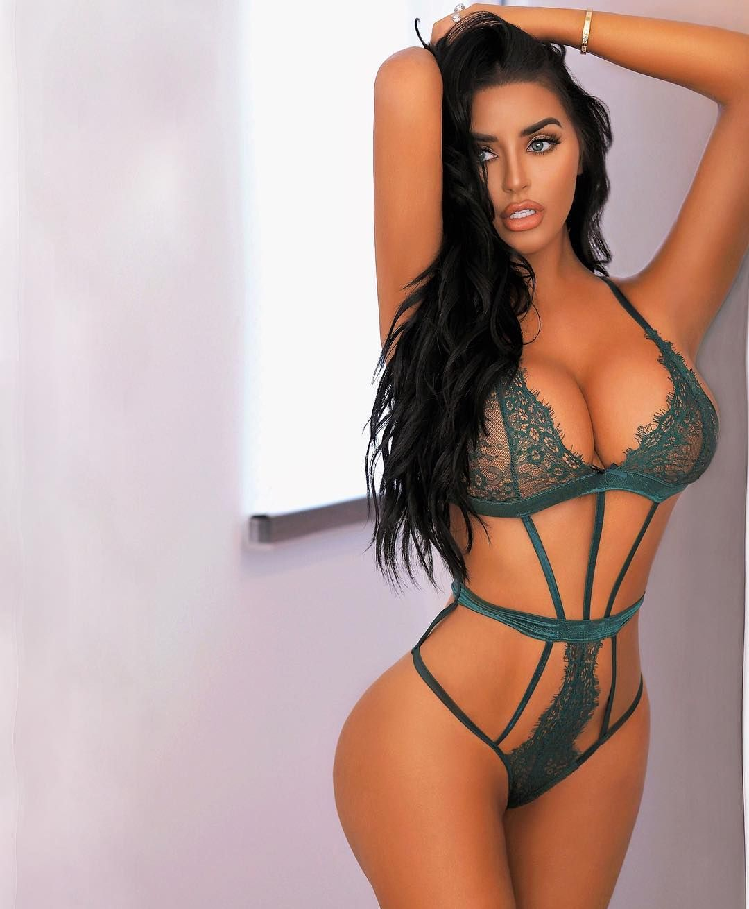 Abigail Ratchford Nude & Sexy 114