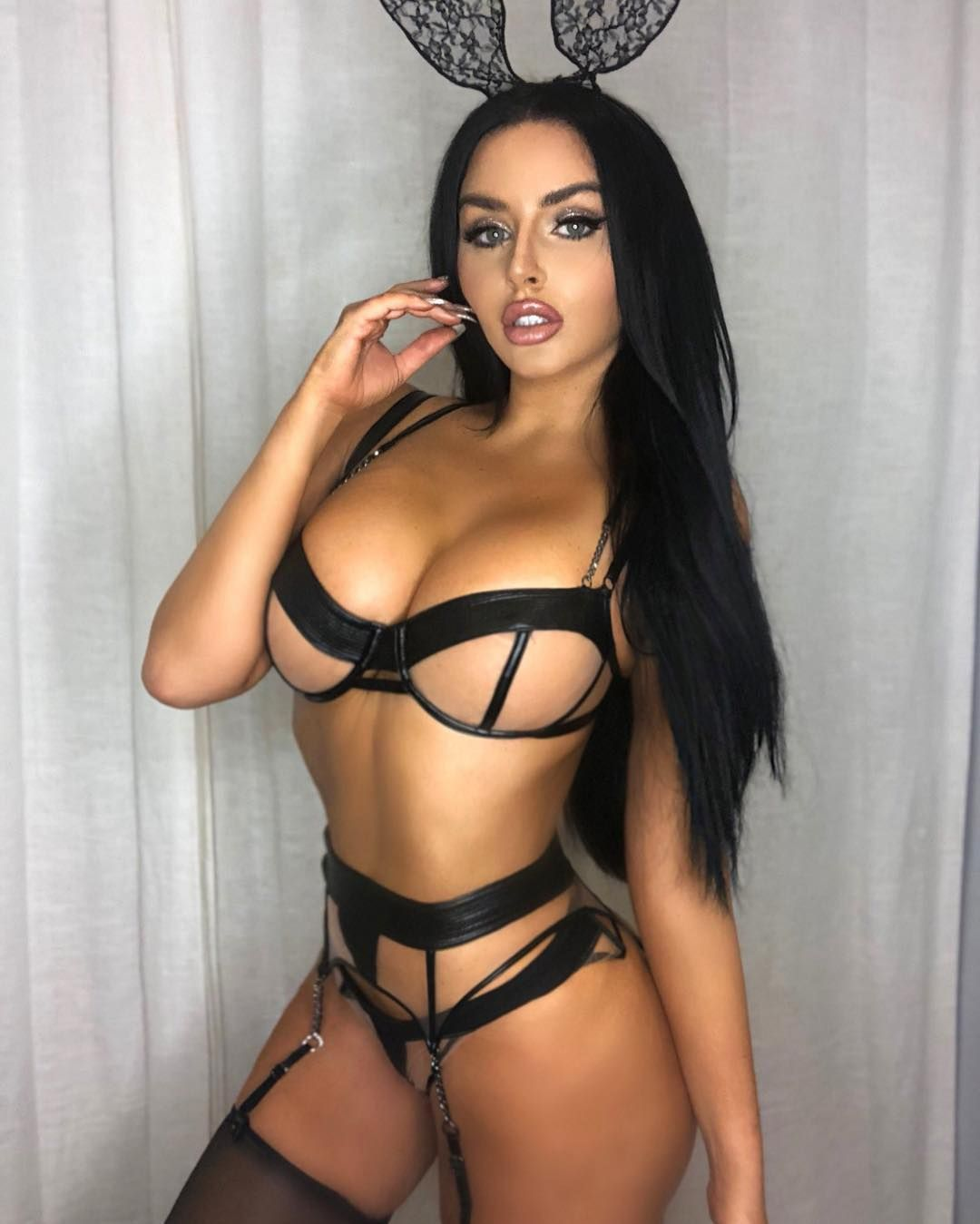 Abigail Ratchford Nude & Sexy 121
