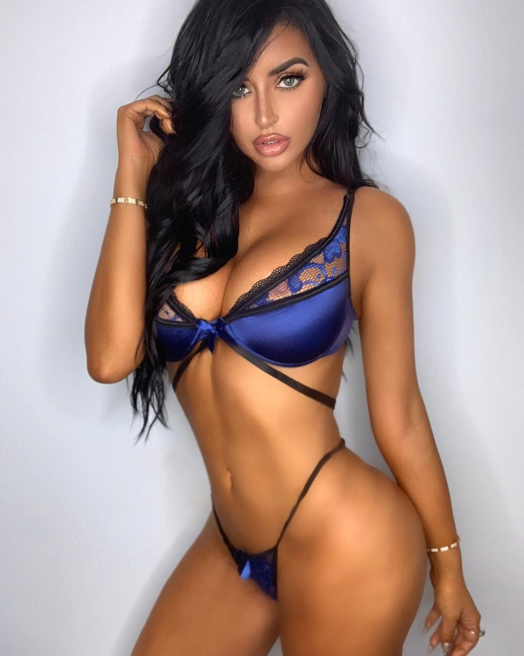 Abigail Ratchford Nude & Sexy 126