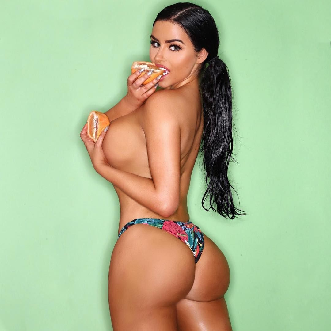 Abigail Ratchford Nude & Sexy 144